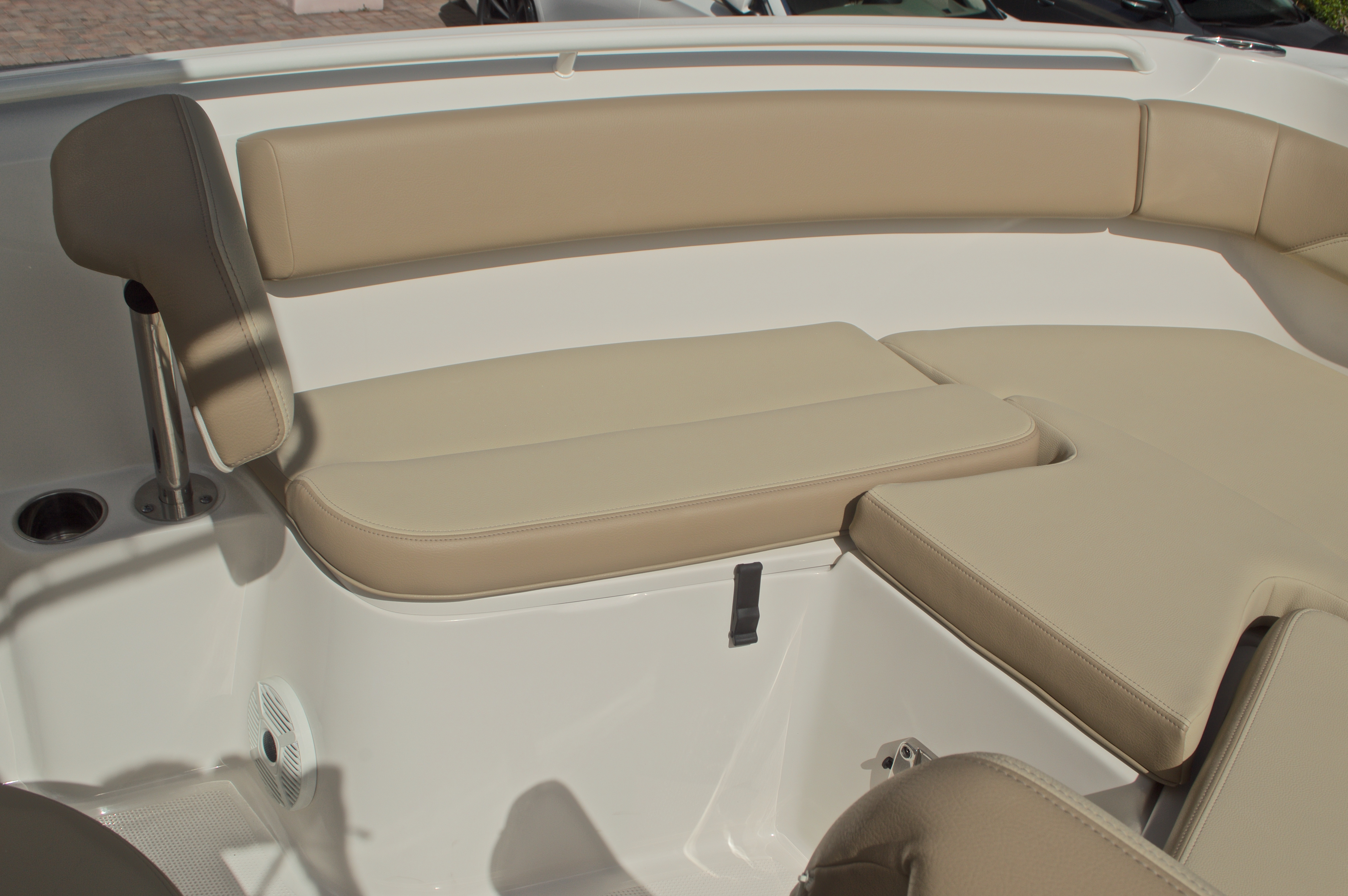 Thumbnail 40 for New 2017 Sailfish 220 CC Center Console boat for sale in Miami, FL