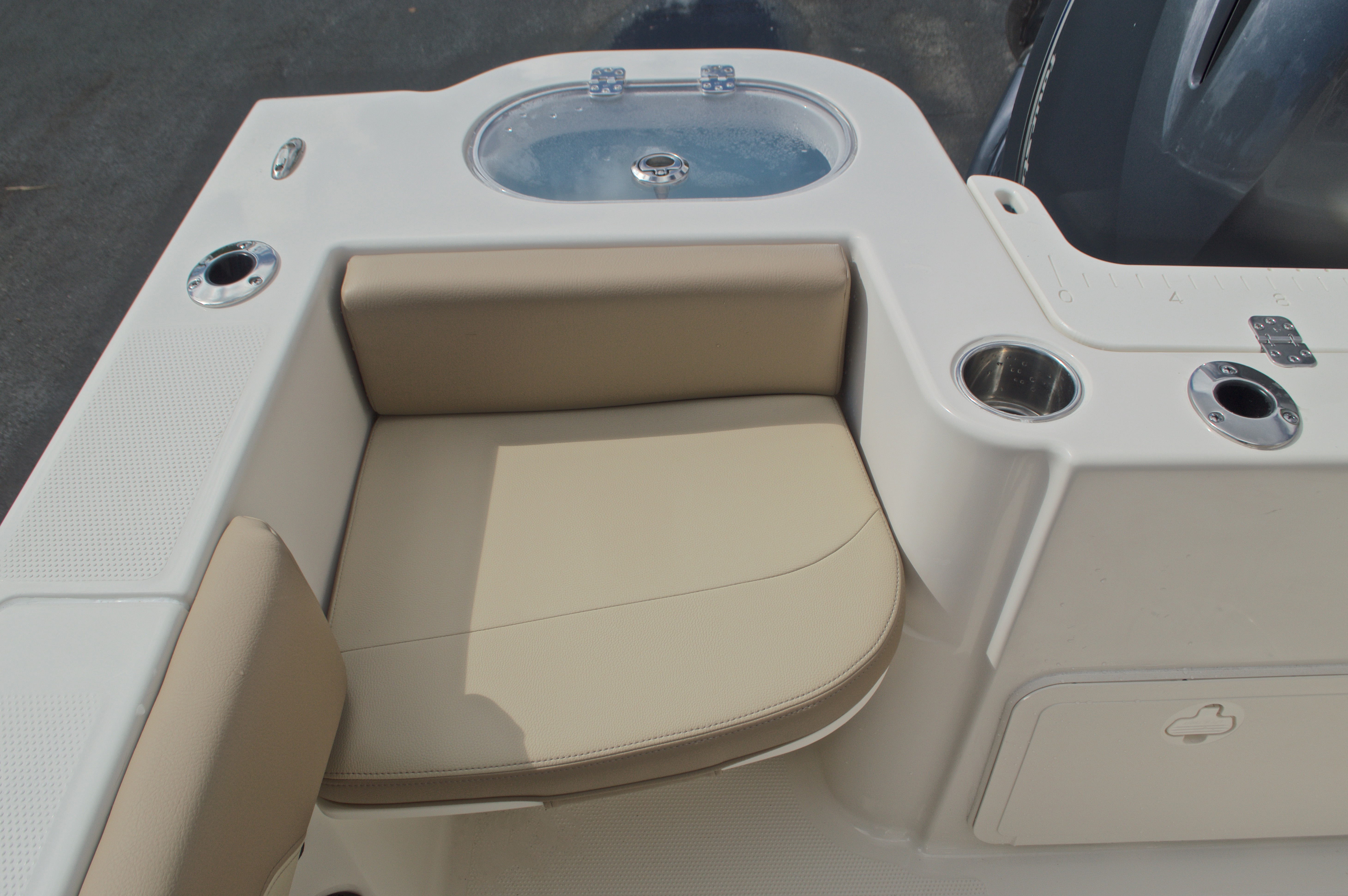 Thumbnail 12 for New 2017 Sailfish 220 CC Center Console boat for sale in Miami, FL