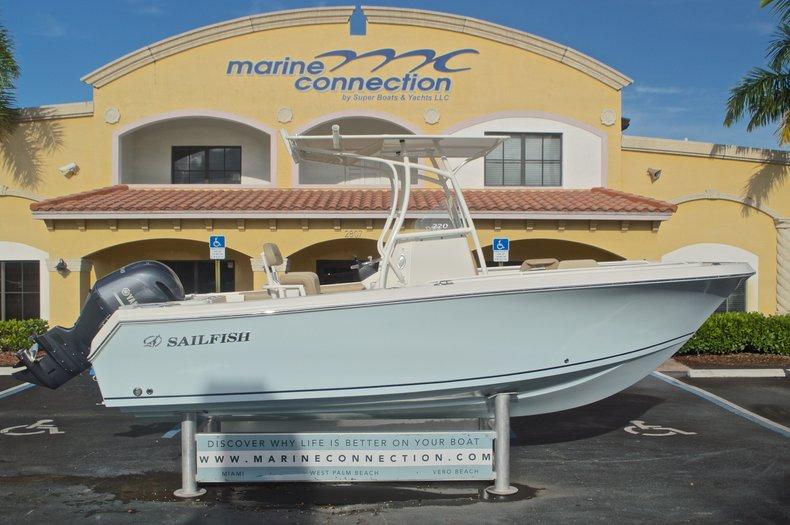 New 2017 Sailfish 220 CC Center Console boat for sale in Miami, FL