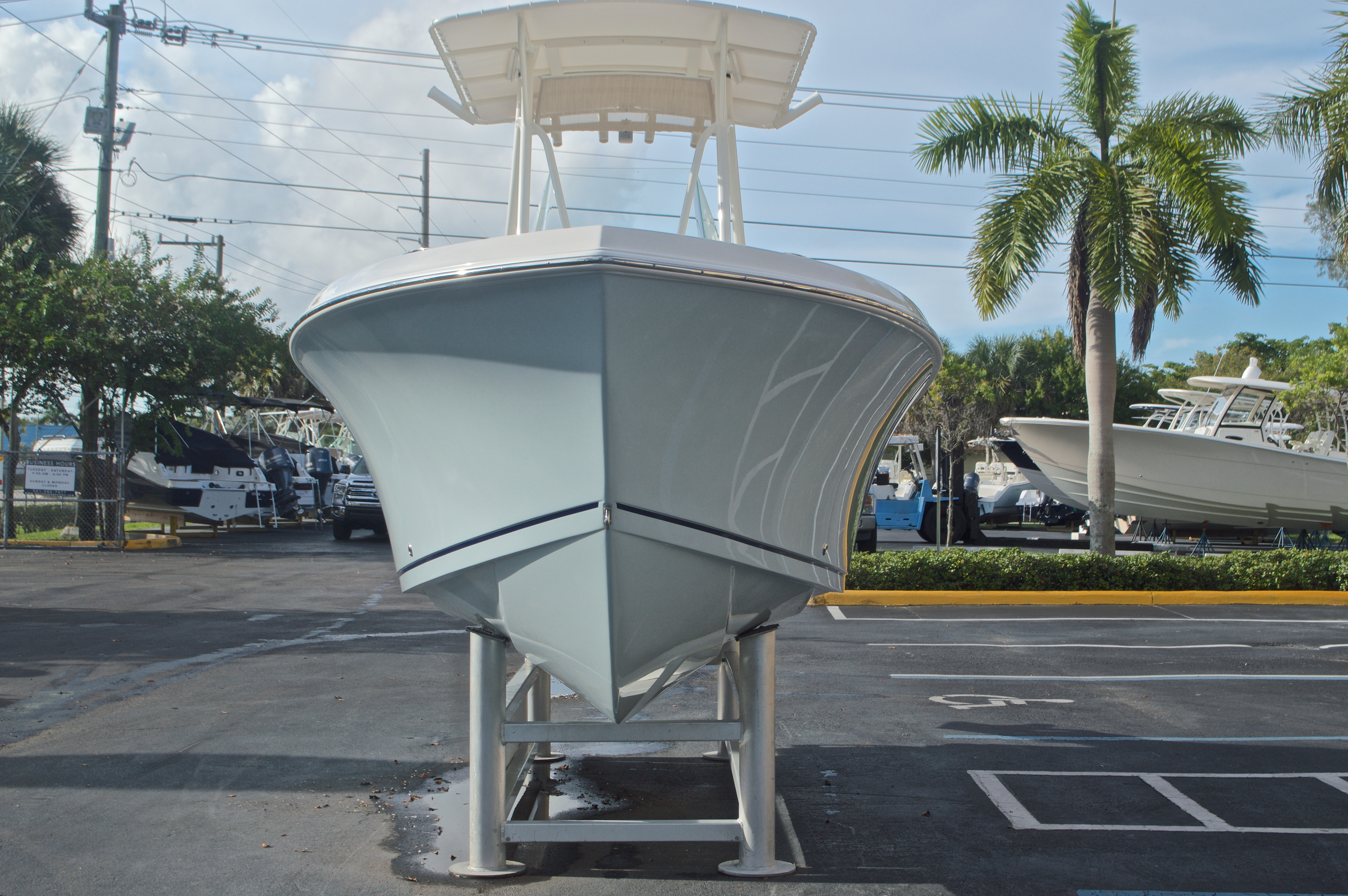 Thumbnail 2 for New 2017 Sailfish 220 CC Center Console boat for sale in Miami, FL