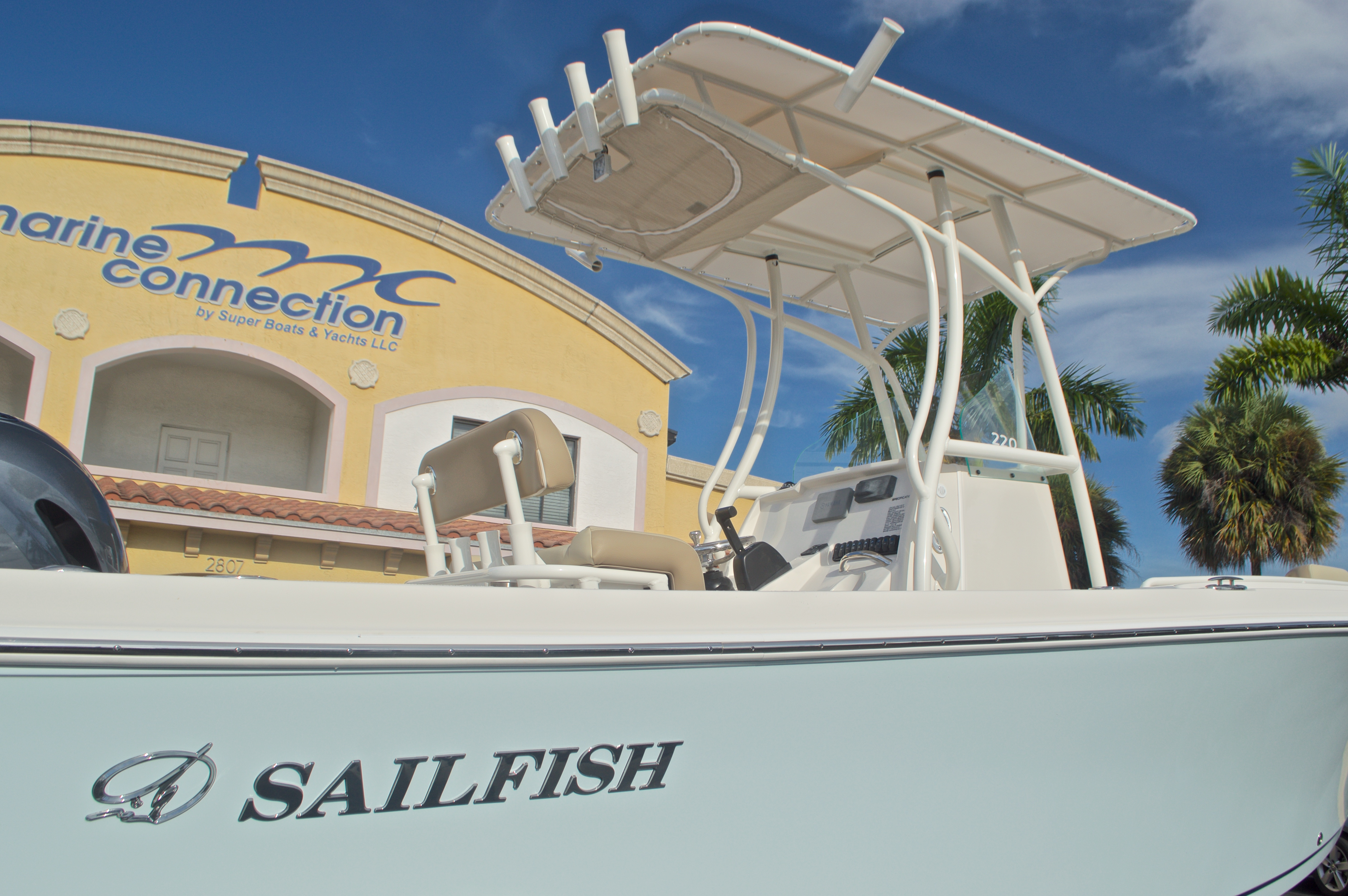 Thumbnail 9 for New 2017 Sailfish 220 CC Center Console boat for sale in Miami, FL