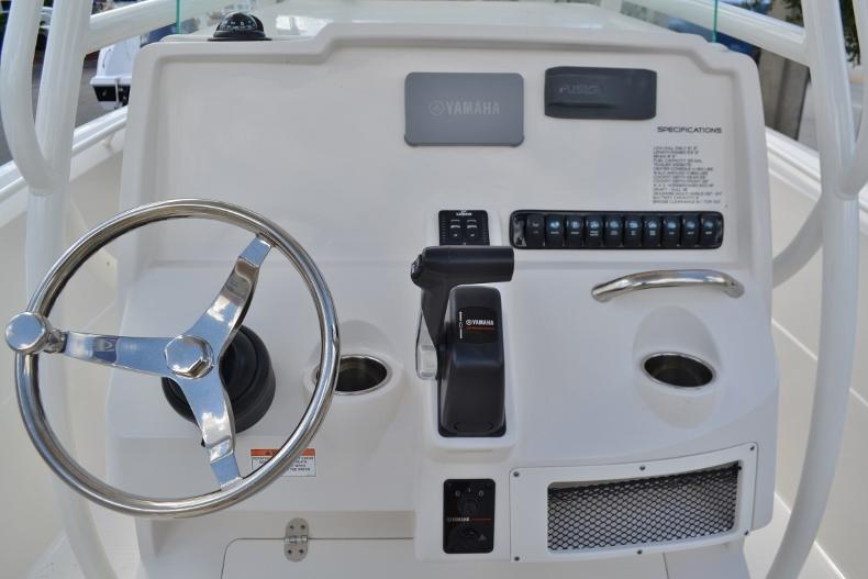 Thumbnail 9 for New 2017 Sailfish 220 CC Center Console boat for sale in Vero Beach, FL