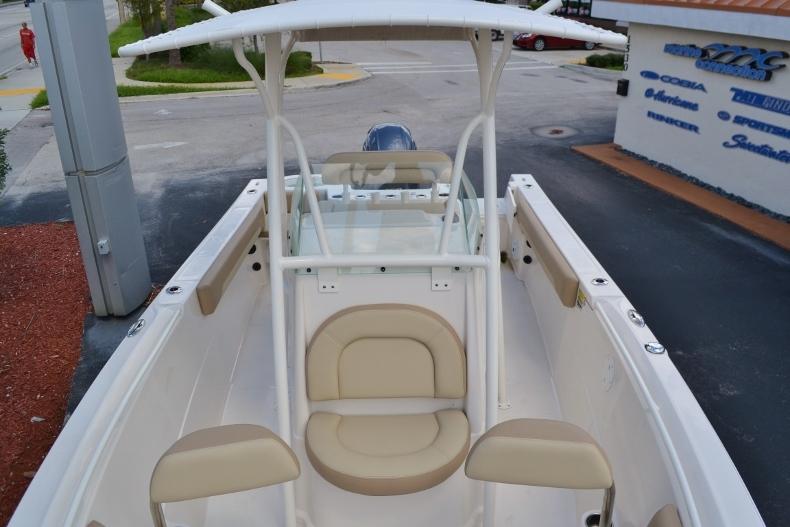 Thumbnail 12 for New 2017 Sailfish 220 CC Center Console boat for sale in Vero Beach, FL