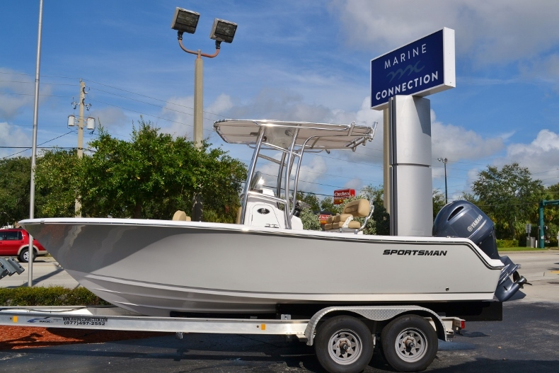 Thumbnail 1 for New 2017 Sportsman Open 212 Center Console boat for sale in Vero Beach, FL