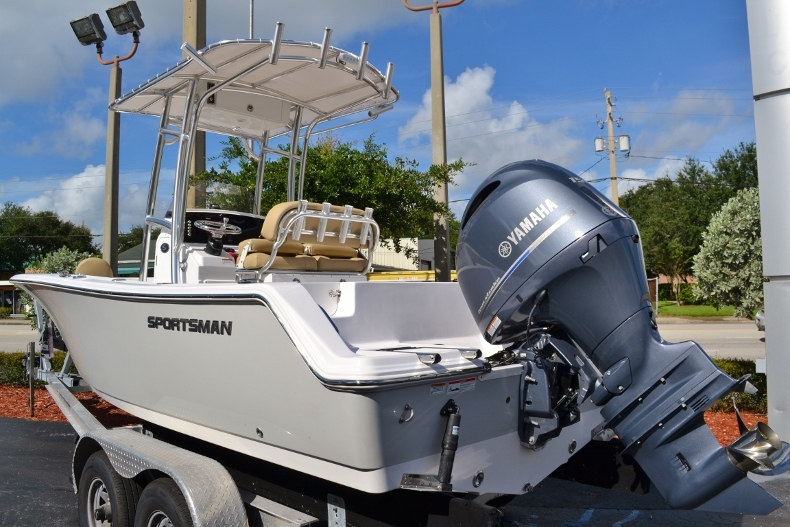Thumbnail 2 for New 2017 Sportsman Open 212 Center Console boat for sale in Vero Beach, FL