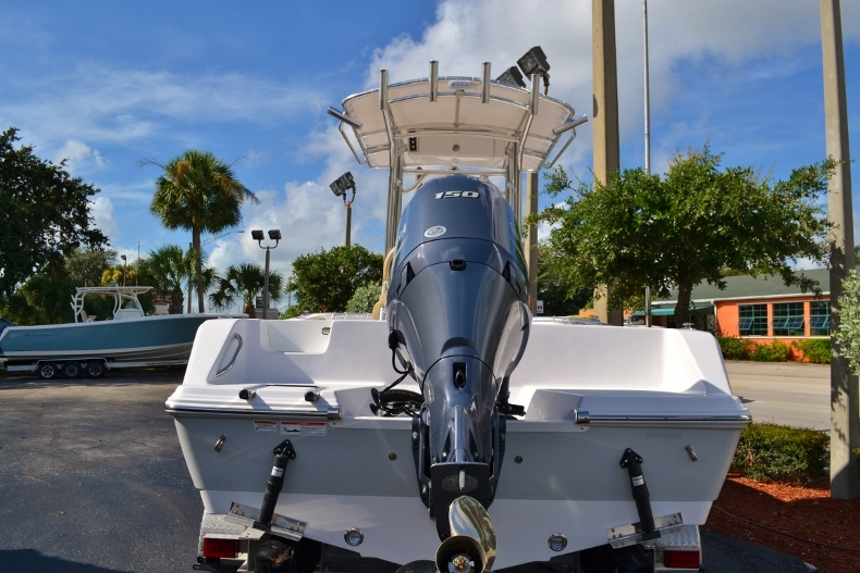 Thumbnail 3 for New 2017 Sportsman Open 212 Center Console boat for sale in Vero Beach, FL