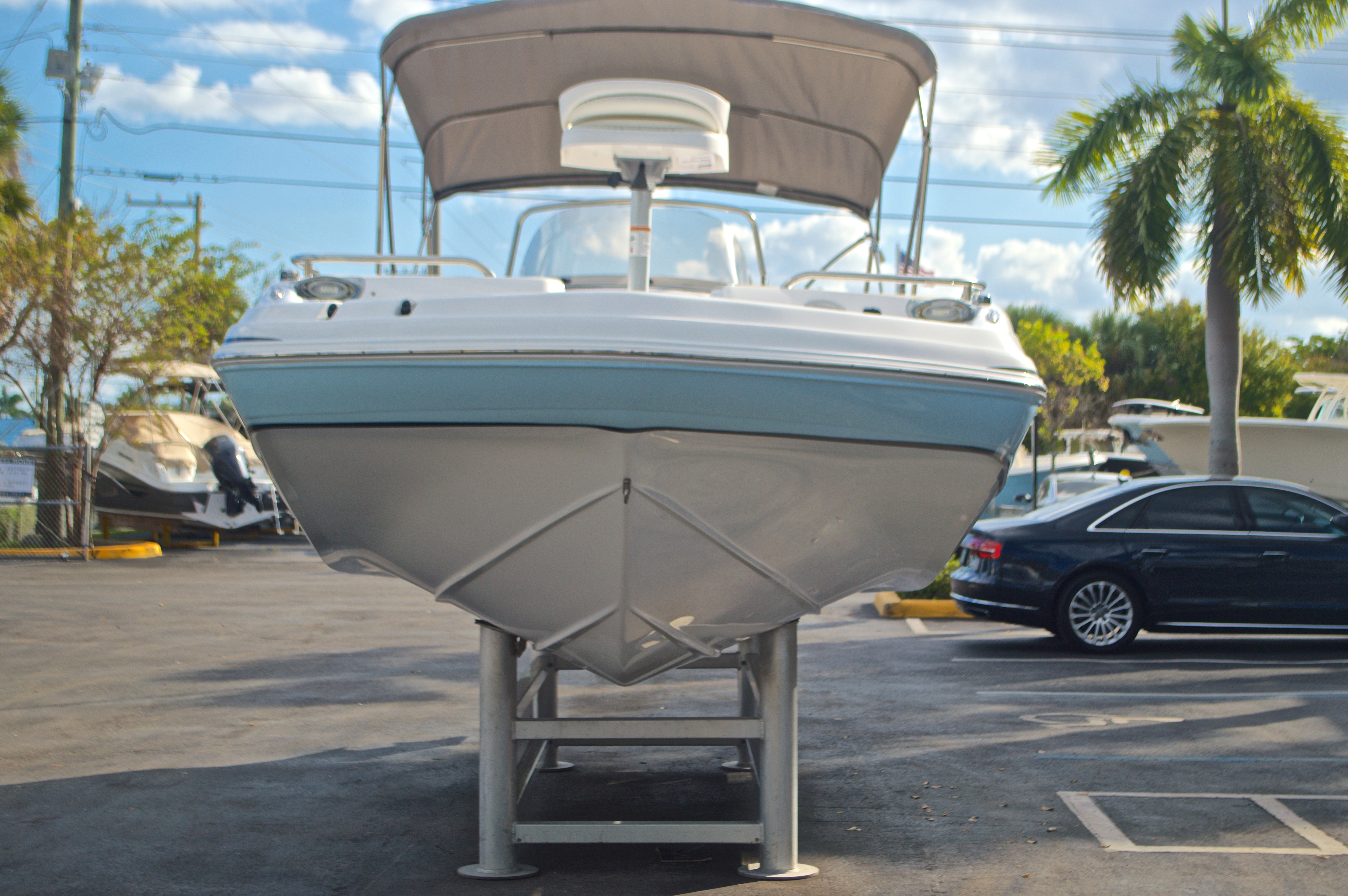 Thumbnail 2 for New 2017 Hurricane Sundeck Sport SS 231 OB boat for sale in West Palm Beach, FL