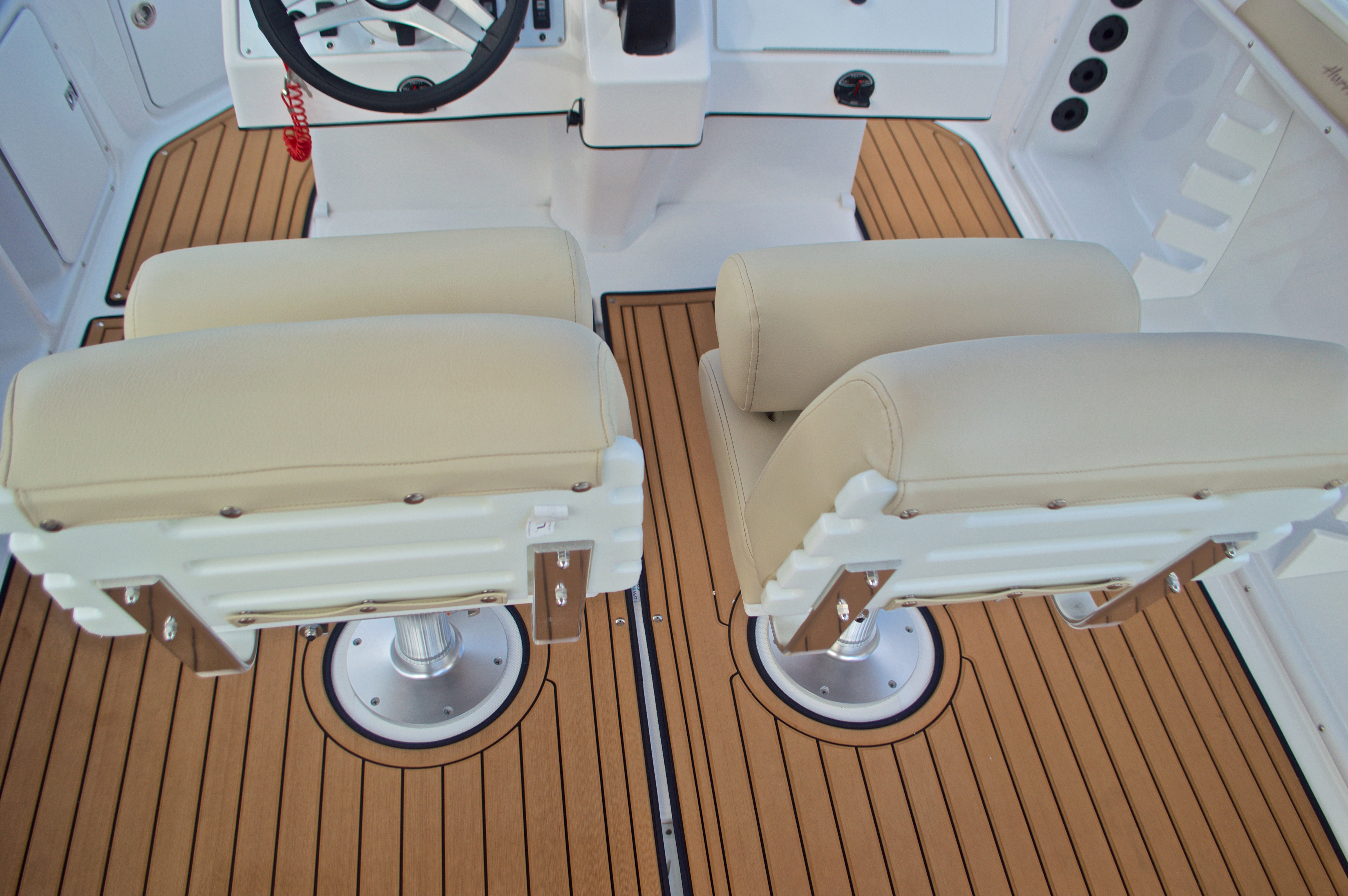 Thumbnail 23 for New 2017 Hurricane Sundeck Sport SS 231 OB boat for sale in West Palm Beach, FL