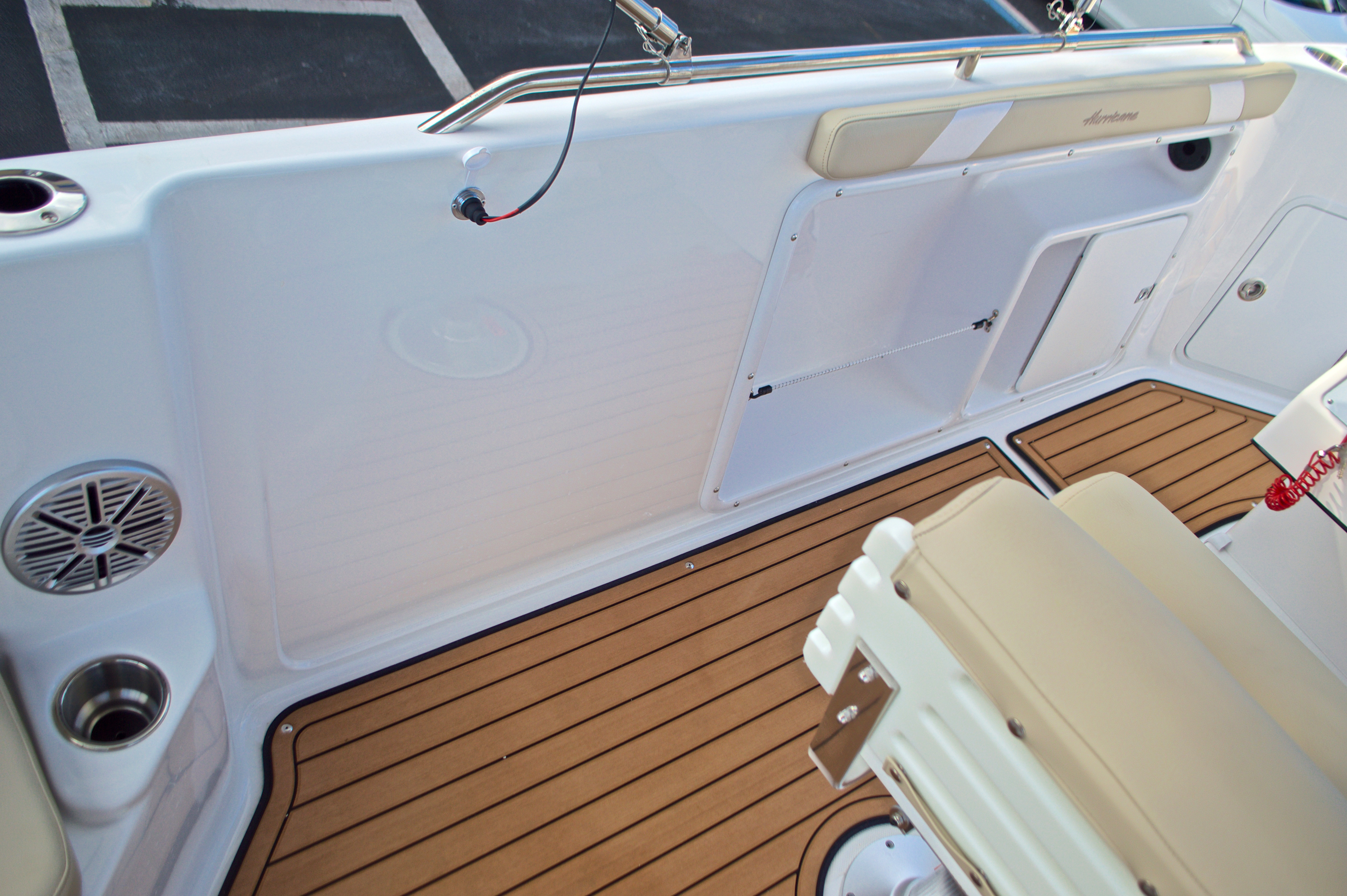 Thumbnail 21 for New 2017 Hurricane Sundeck Sport SS 231 OB boat for sale in West Palm Beach, FL