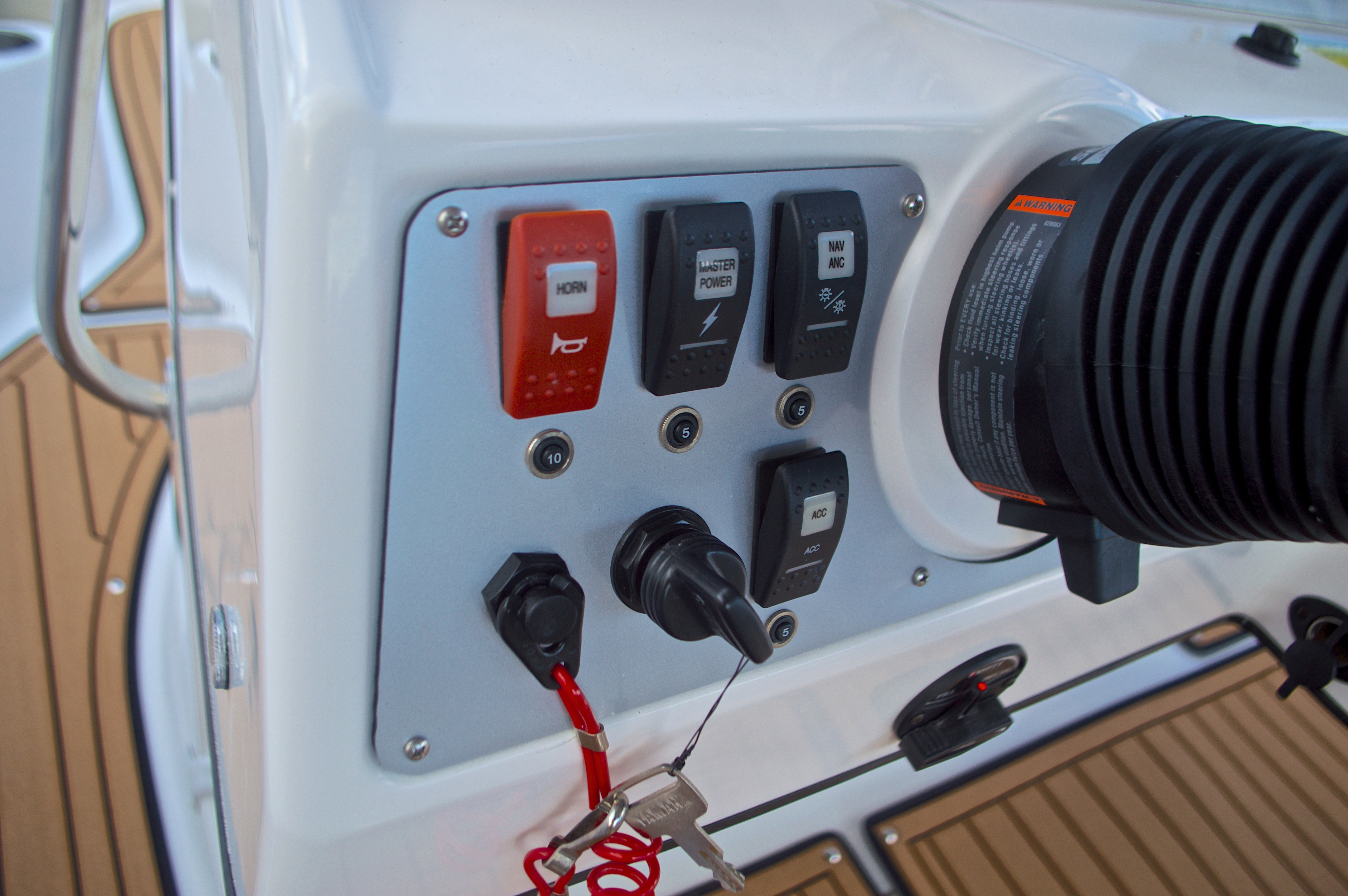 Thumbnail 30 for New 2017 Hurricane Sundeck Sport SS 231 OB boat for sale in West Palm Beach, FL