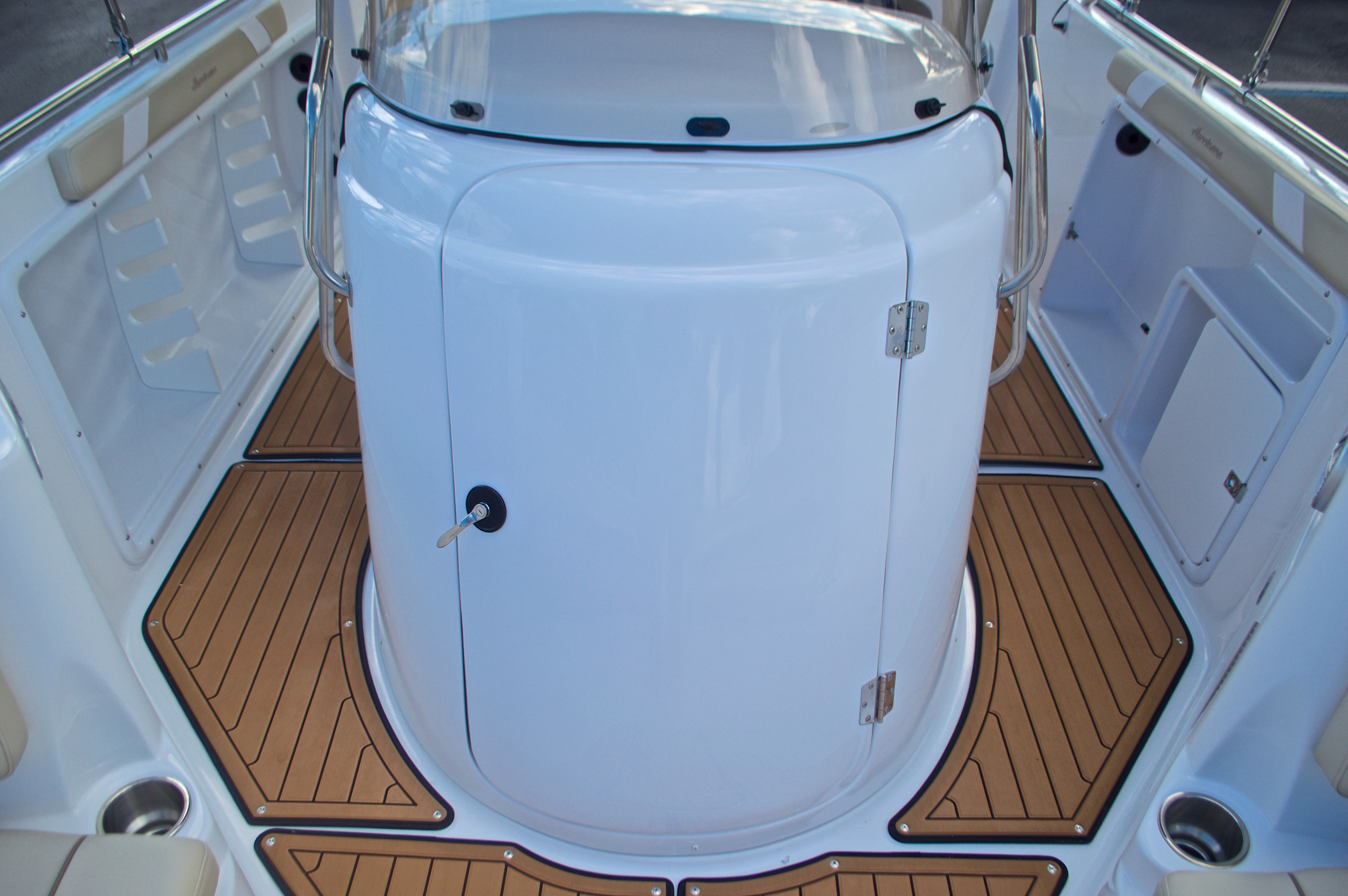 Thumbnail 40 for New 2017 Hurricane Sundeck Sport SS 231 OB boat for sale in West Palm Beach, FL