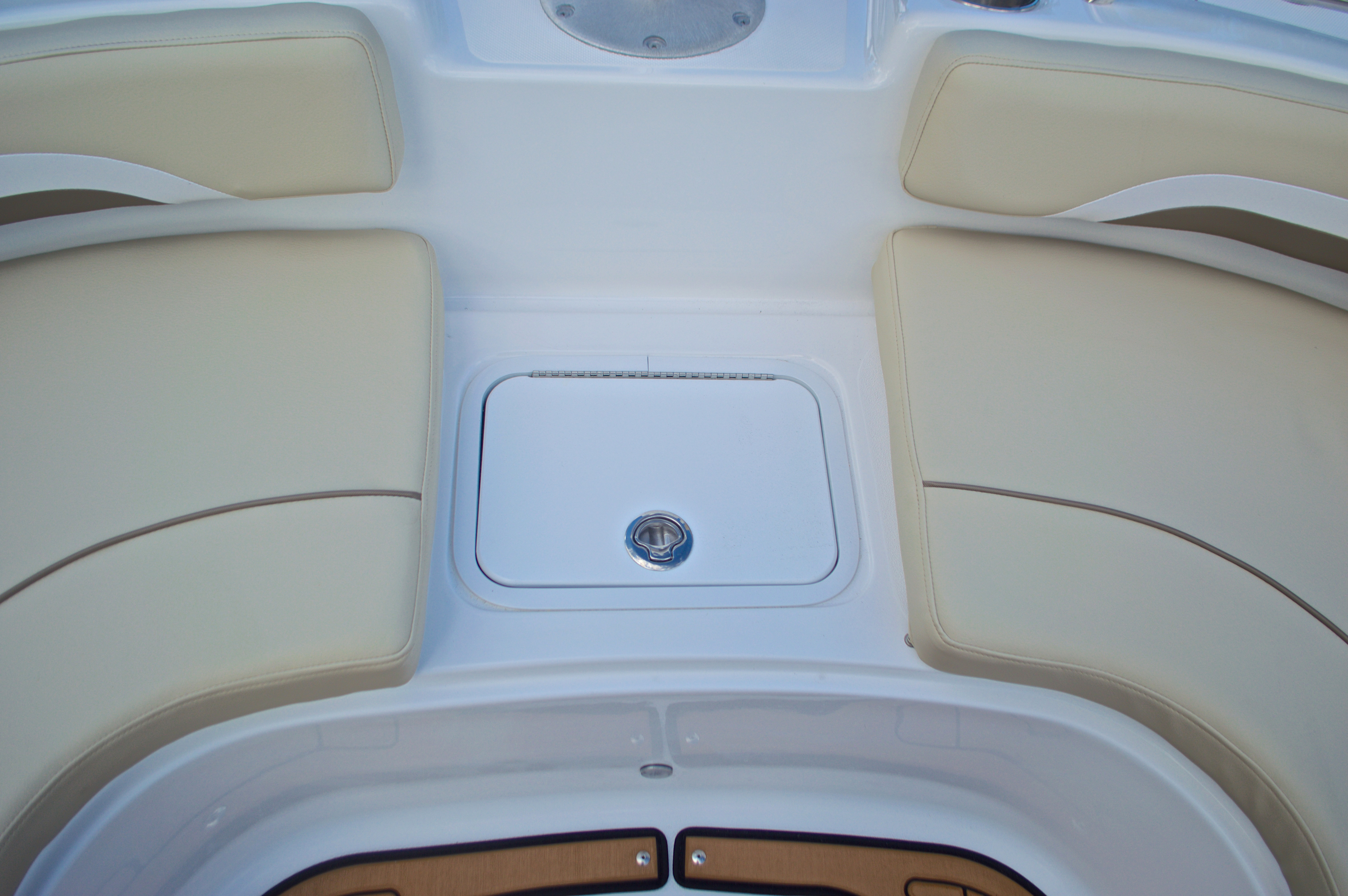 Thumbnail 47 for New 2017 Hurricane Sundeck Sport SS 231 OB boat for sale in West Palm Beach, FL