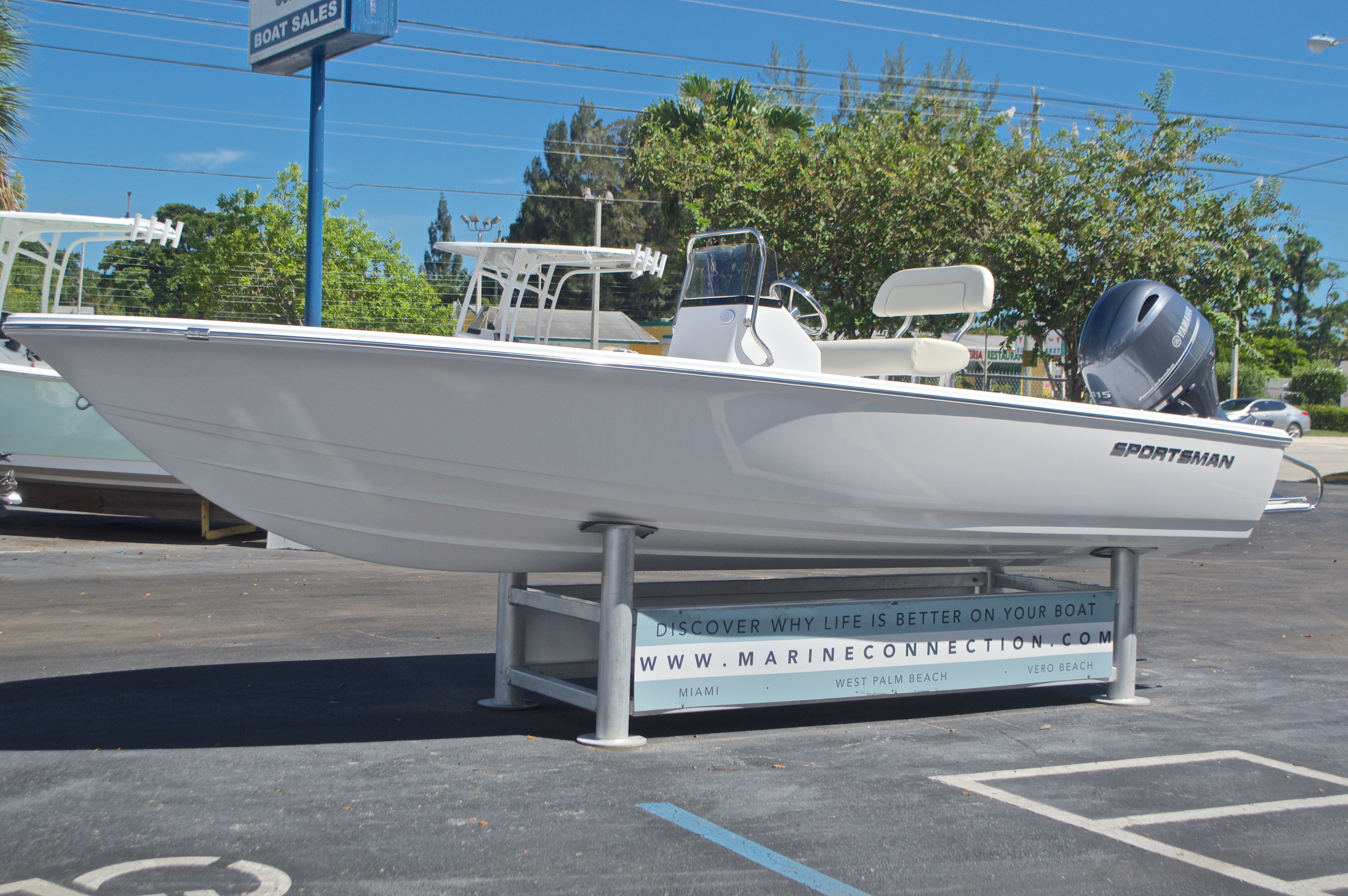 Thumbnail 3 for New 2017 Sportsman 20 Island Bay boat for sale in Vero Beach, FL