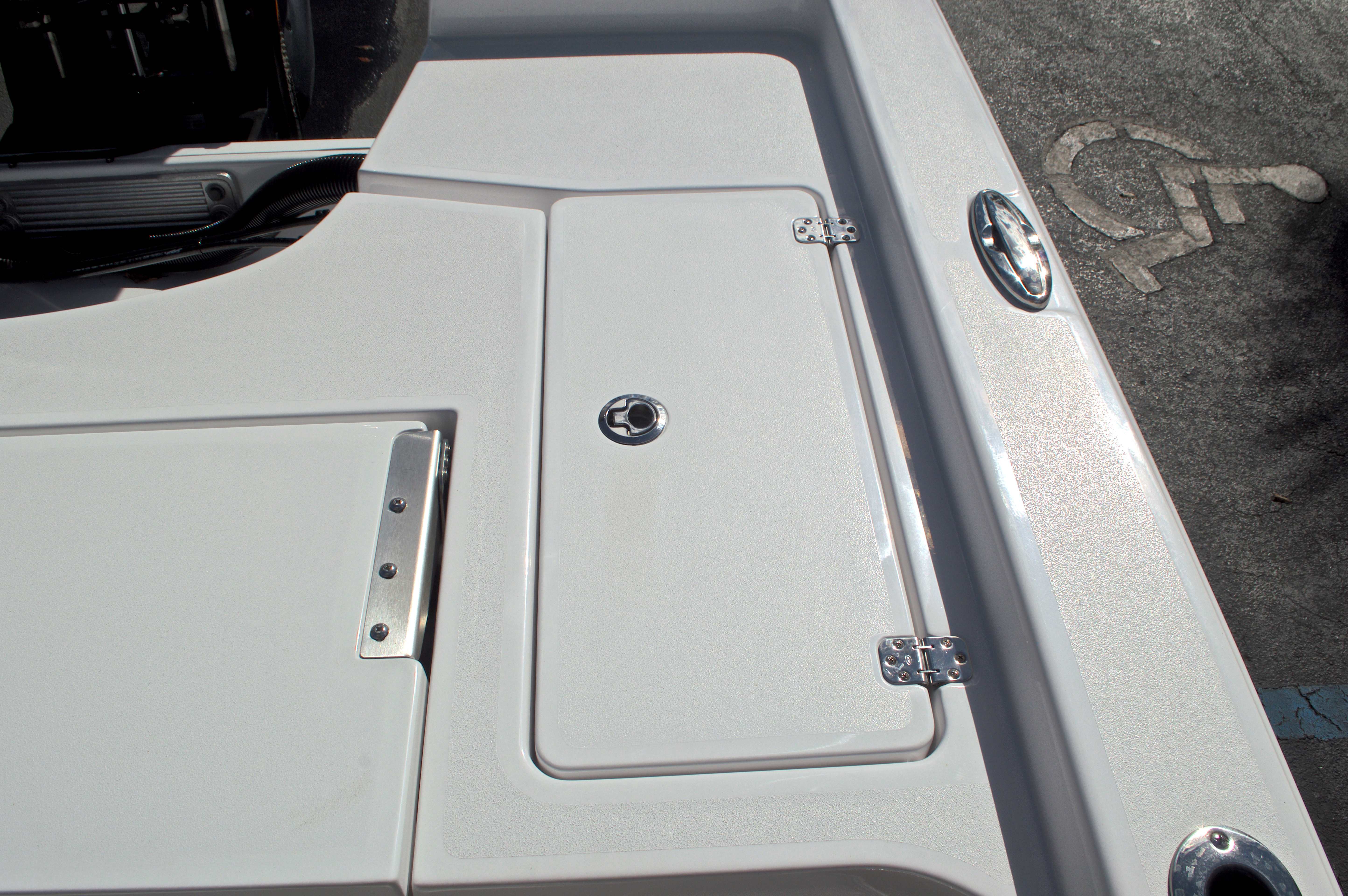 Thumbnail 19 for New 2017 Sportsman Masters 247 Bay Boat boat for sale in West Palm Beach, FL