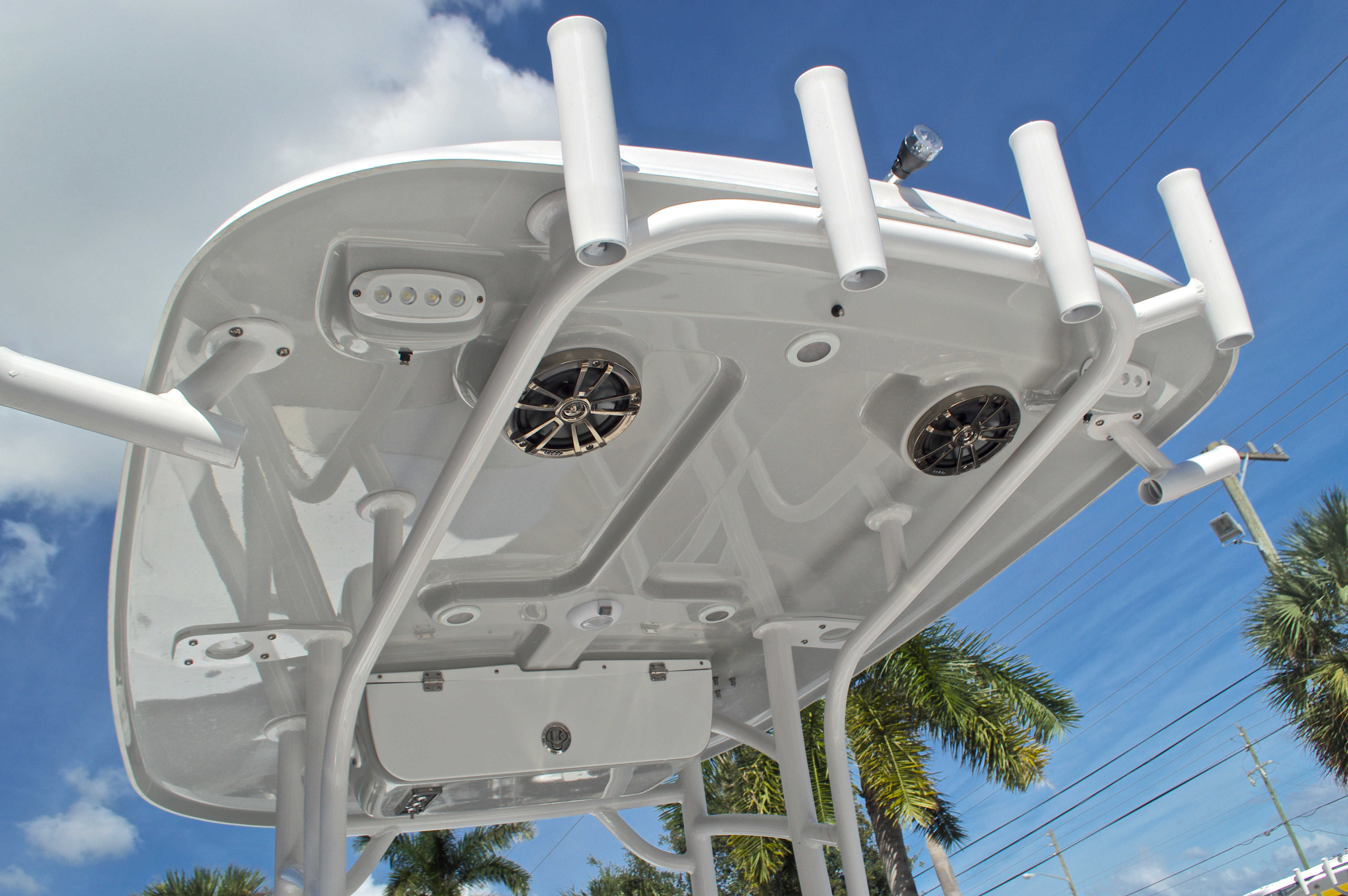 Thumbnail 25 for New 2017 Sportsman Masters 247 Bay Boat boat for sale in West Palm Beach, FL