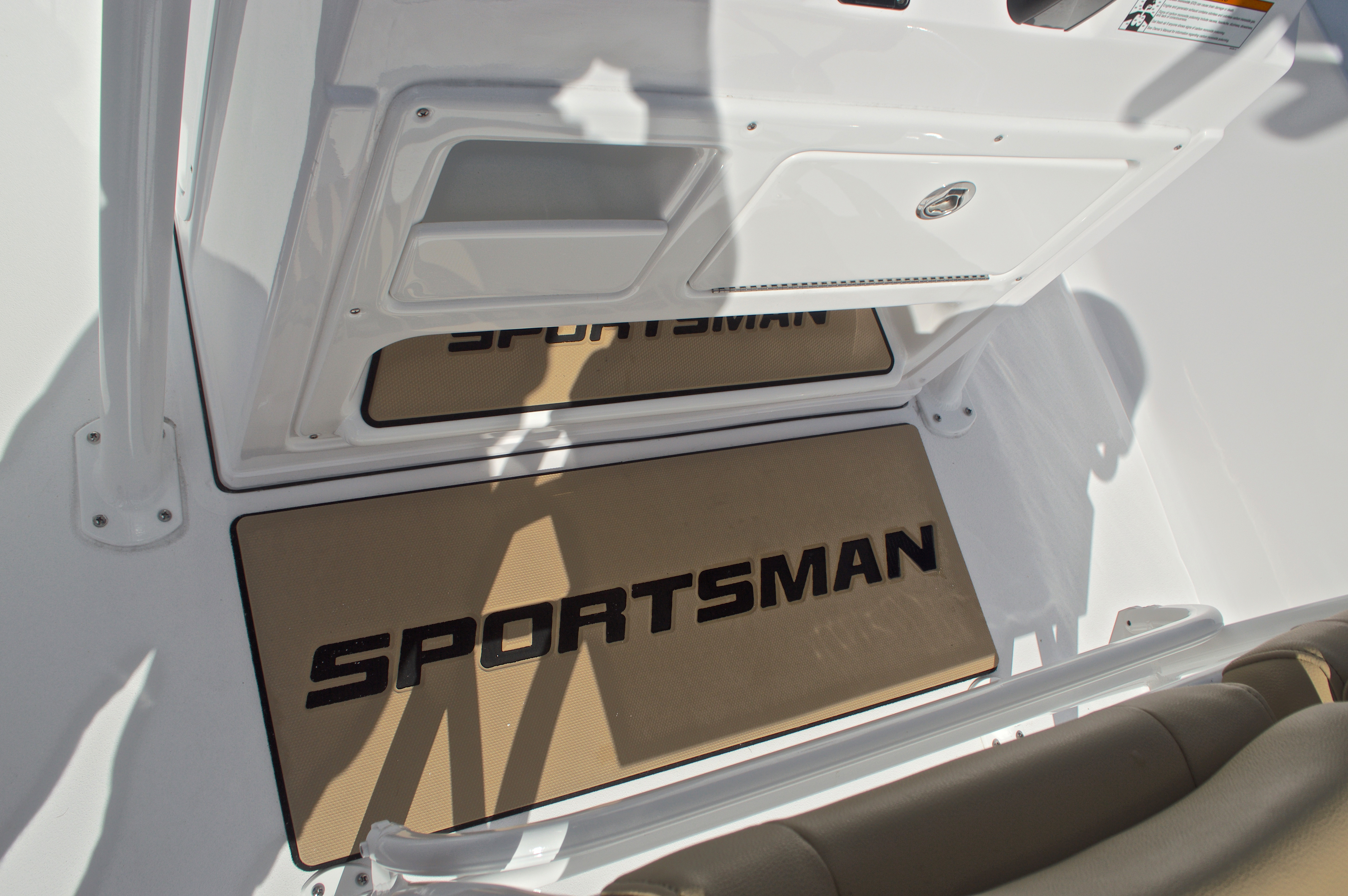 Thumbnail 37 for New 2017 Sportsman Masters 247 Bay Boat boat for sale in West Palm Beach, FL