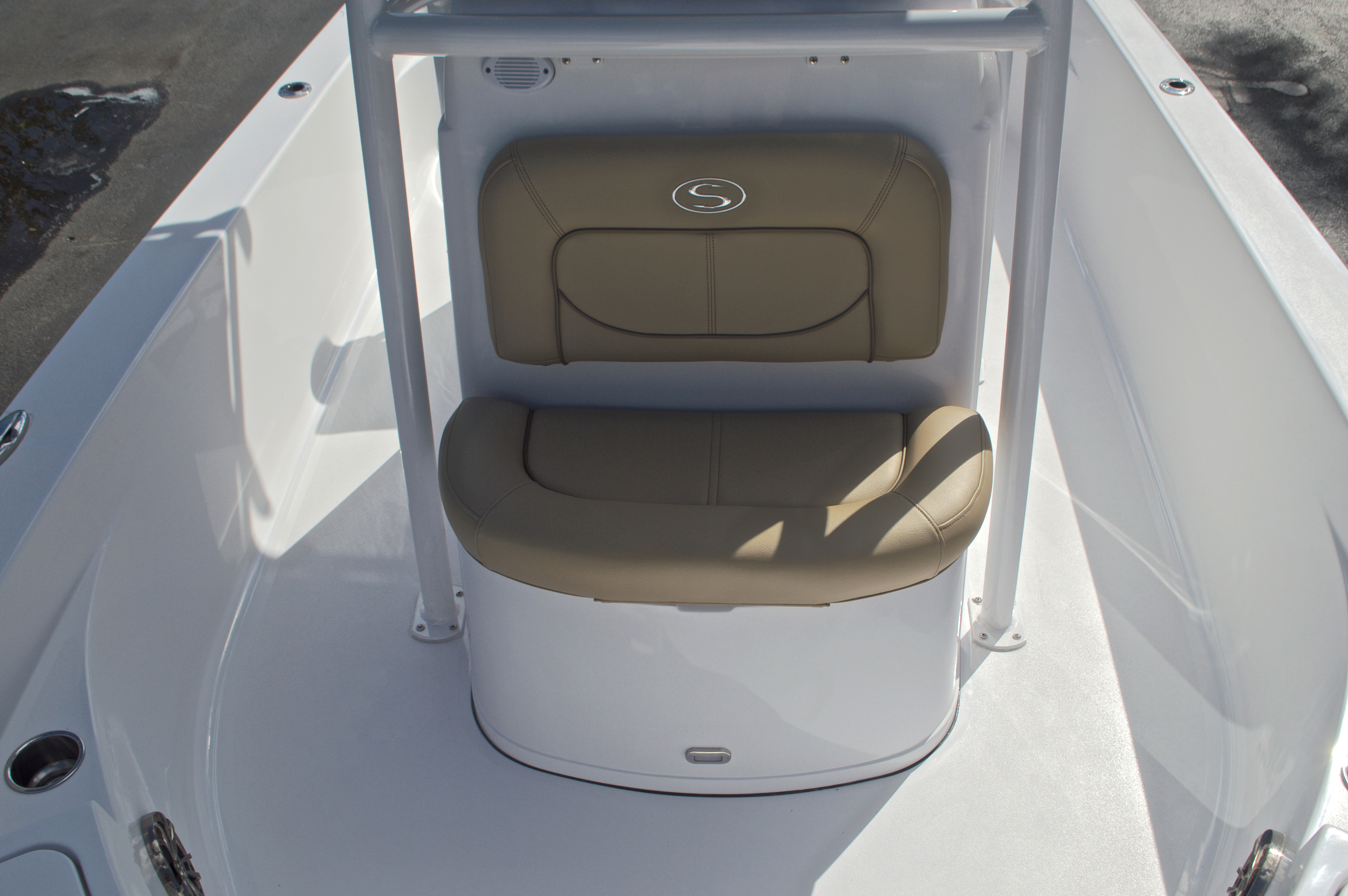 Thumbnail 43 for New 2017 Sportsman Masters 247 Bay Boat boat for sale in West Palm Beach, FL