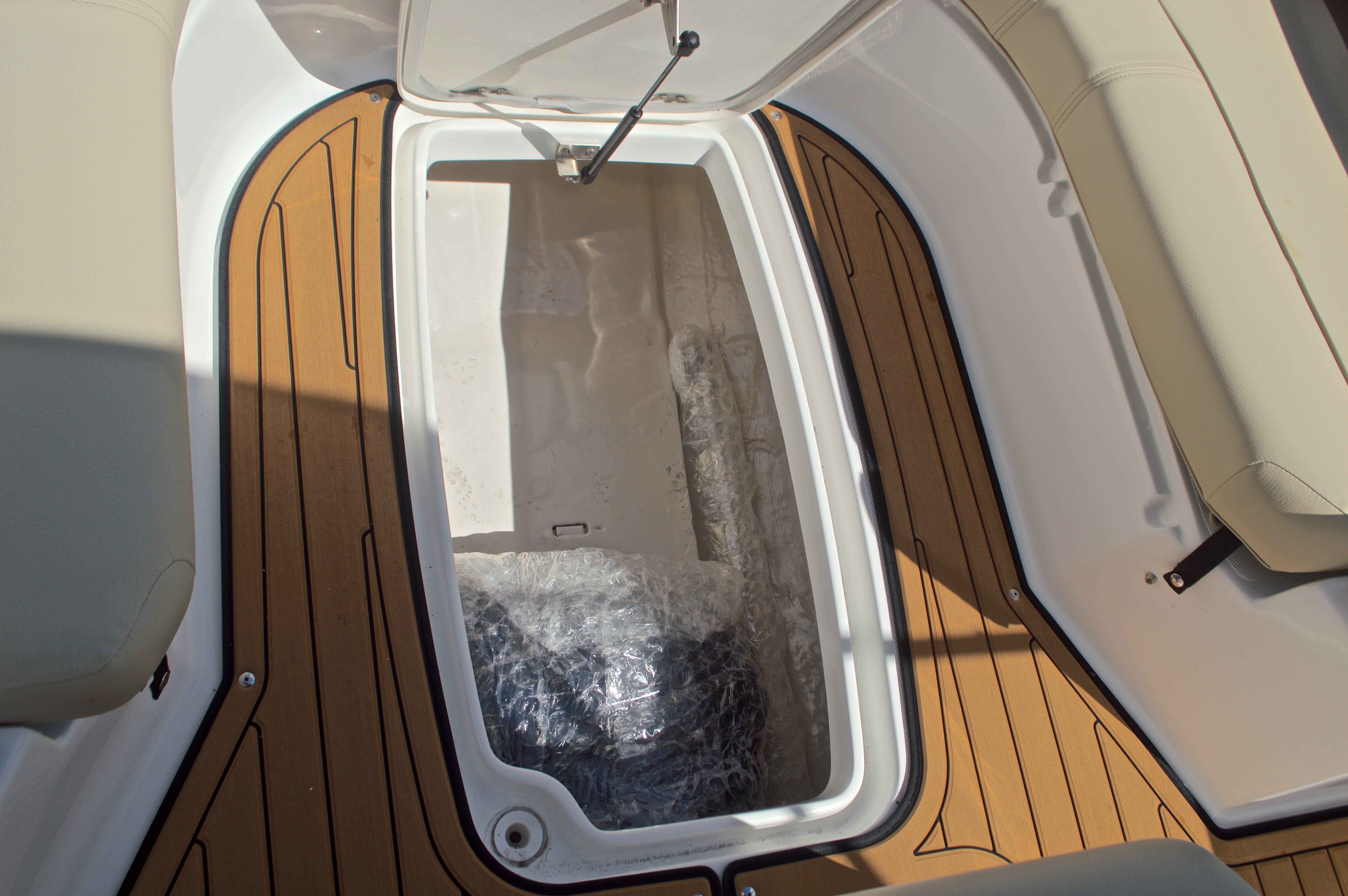 Thumbnail 47 for New 2017 Hurricane CC21 Center Console boat for sale in Vero Beach, FL