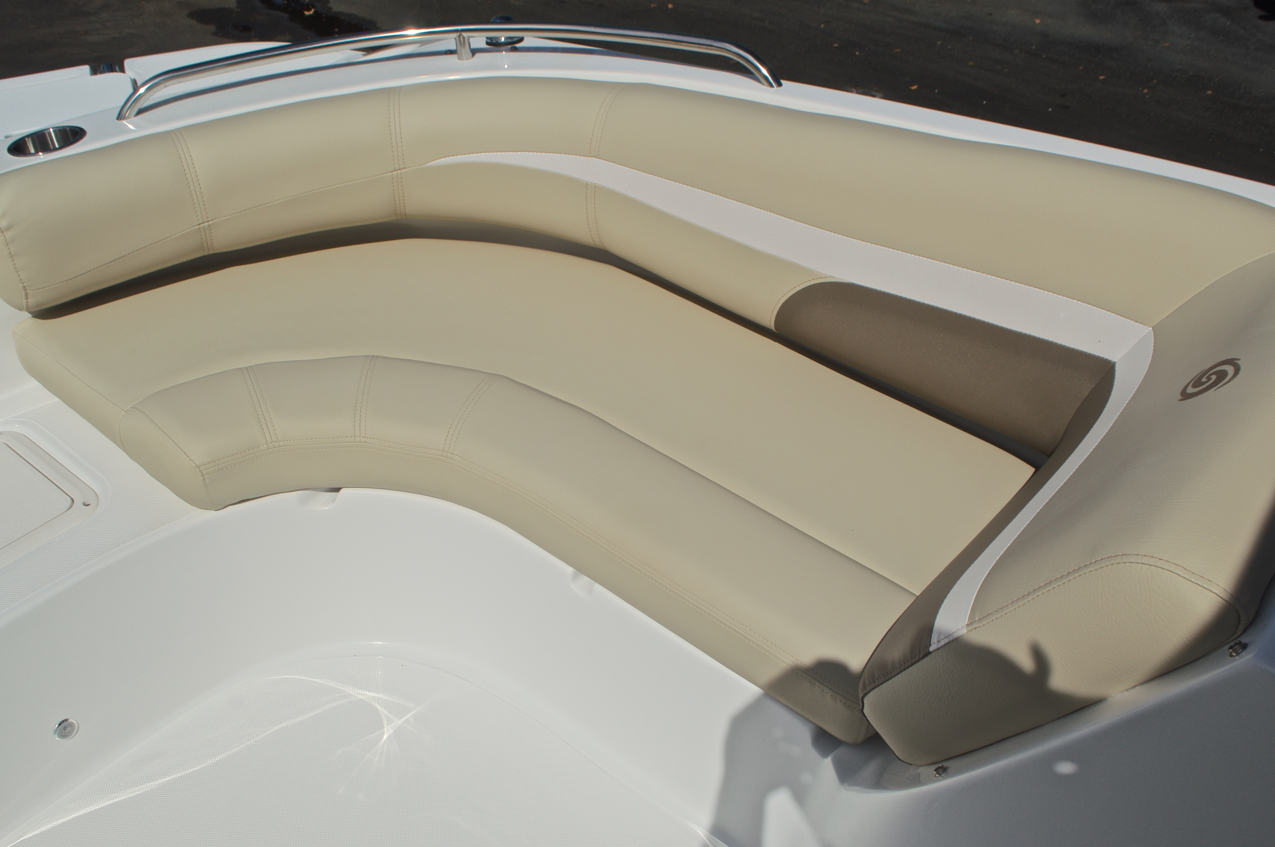 Thumbnail 36 for New 2017 Hurricane SunDeck SD 187 OB boat for sale in West Palm Beach, FL
