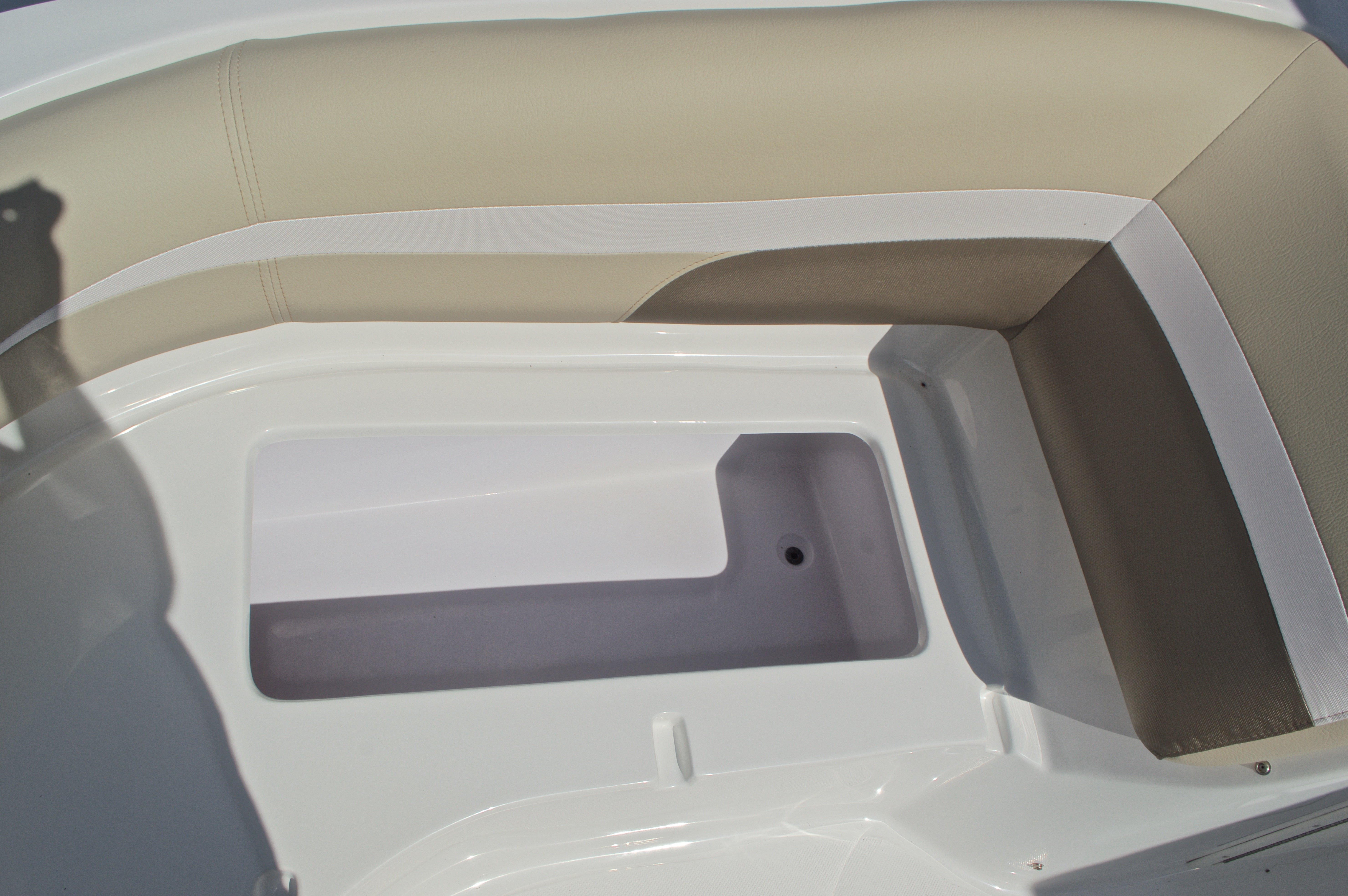 Thumbnail 37 for New 2017 Hurricane SunDeck SD 187 OB boat for sale in West Palm Beach, FL