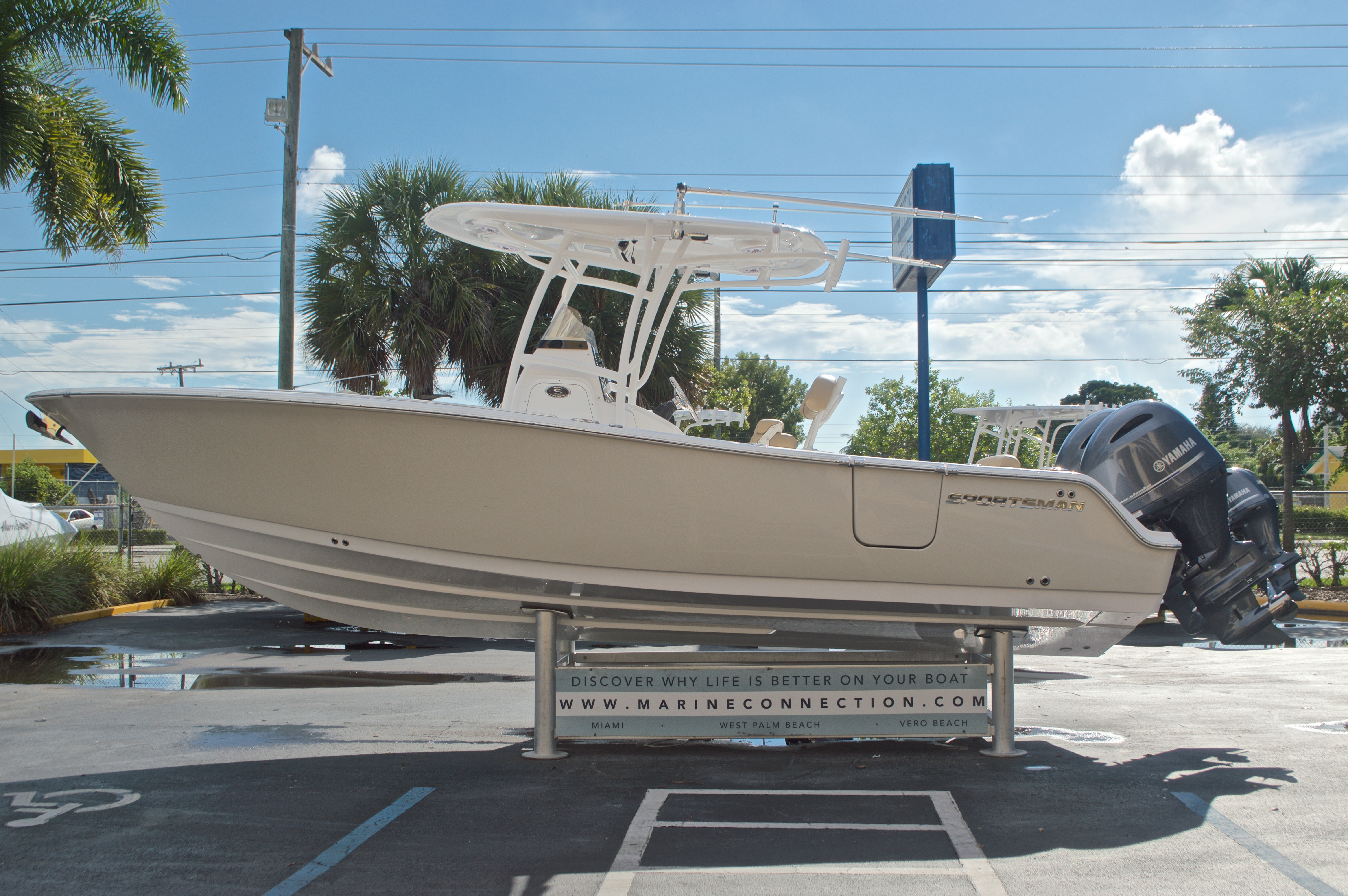 Thumbnail 4 for New 2017 Sportsman Open 252 Center Console boat for sale in Vero Beach, FL