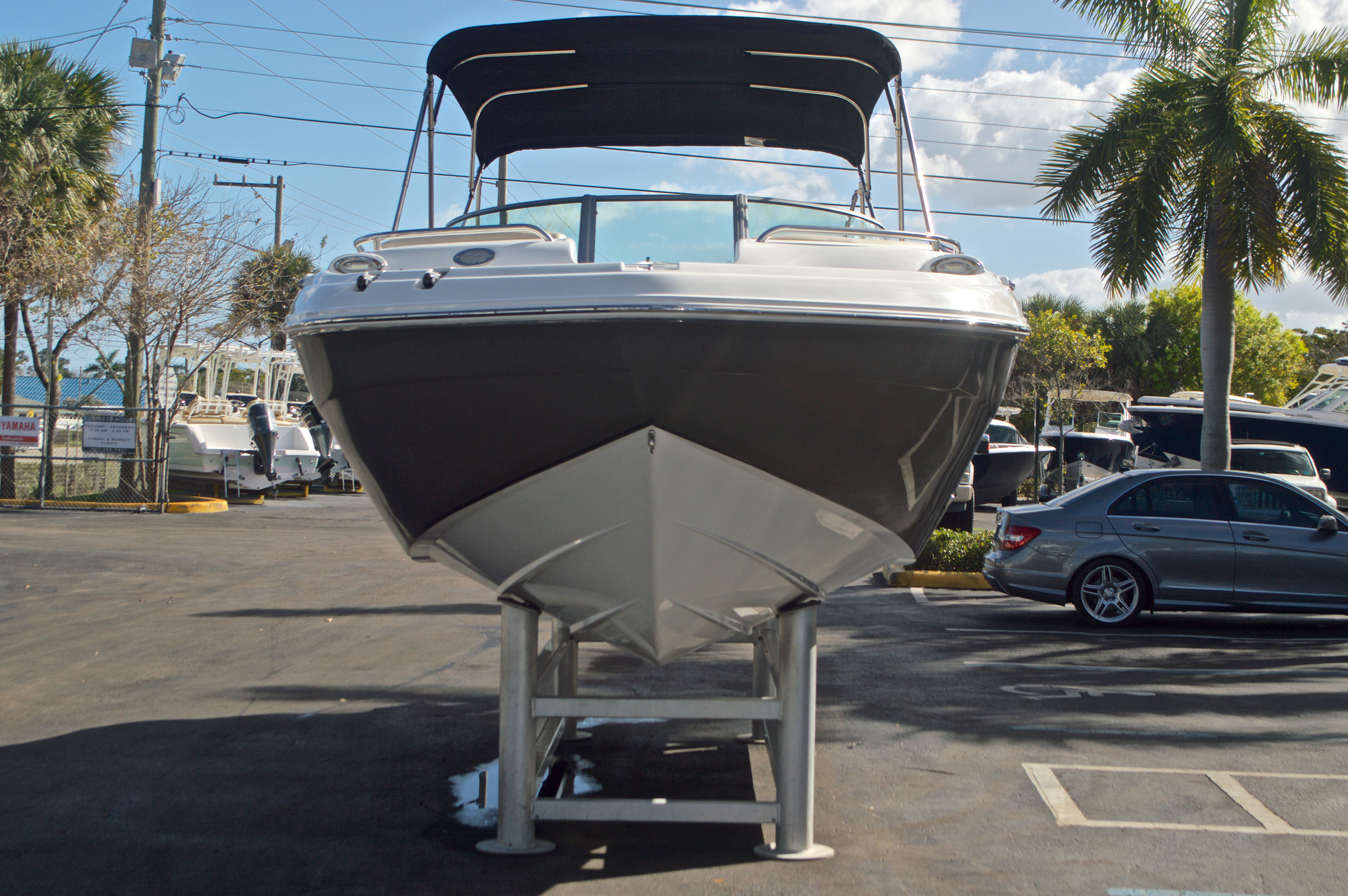 Thumbnail 2 for New 2017 Hurricane SunDeck SD 2200 OB boat for sale in West Palm Beach, FL