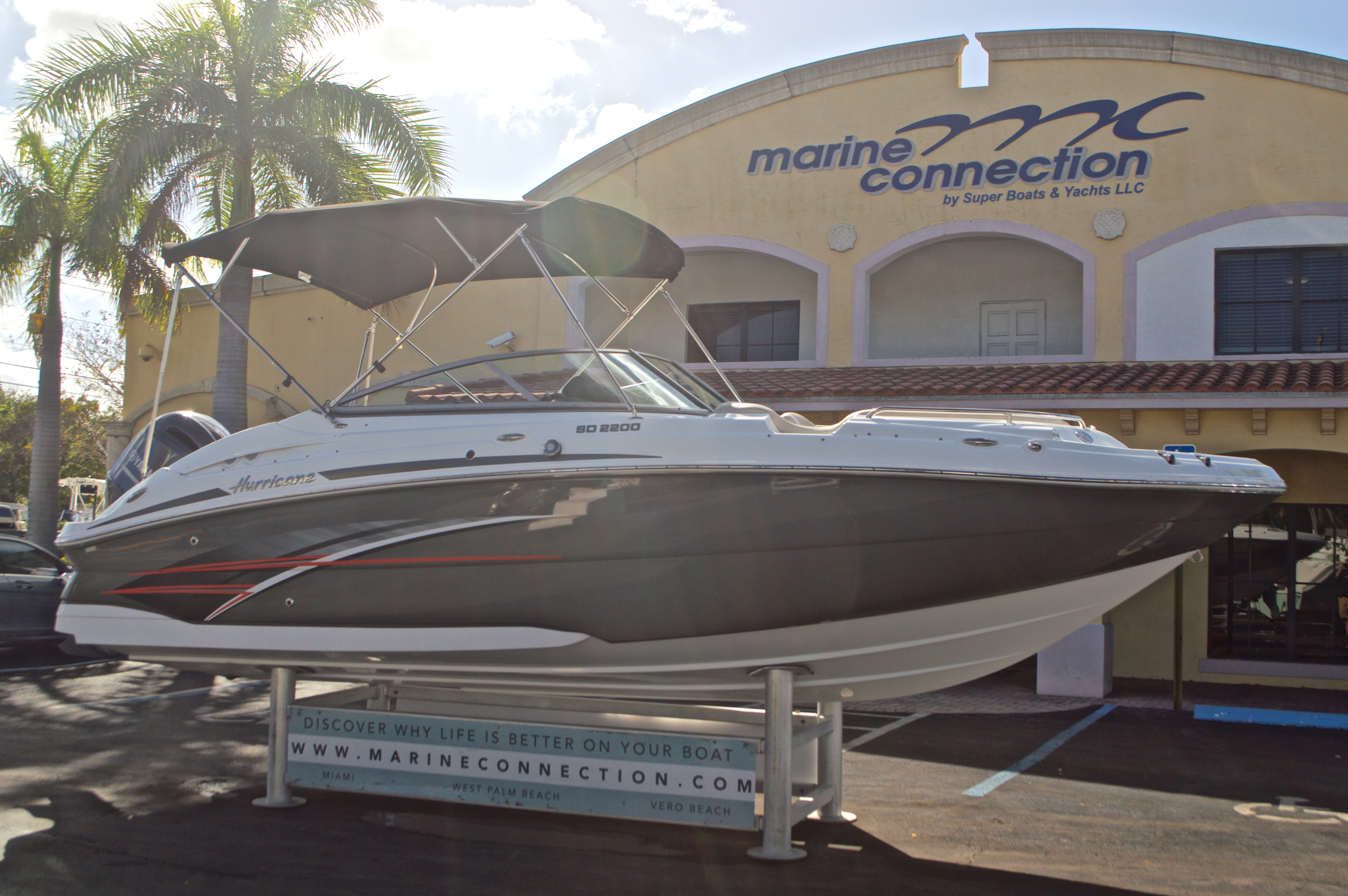 Thumbnail 1 for New 2017 Hurricane SunDeck SD 2200 OB boat for sale in West Palm Beach, FL