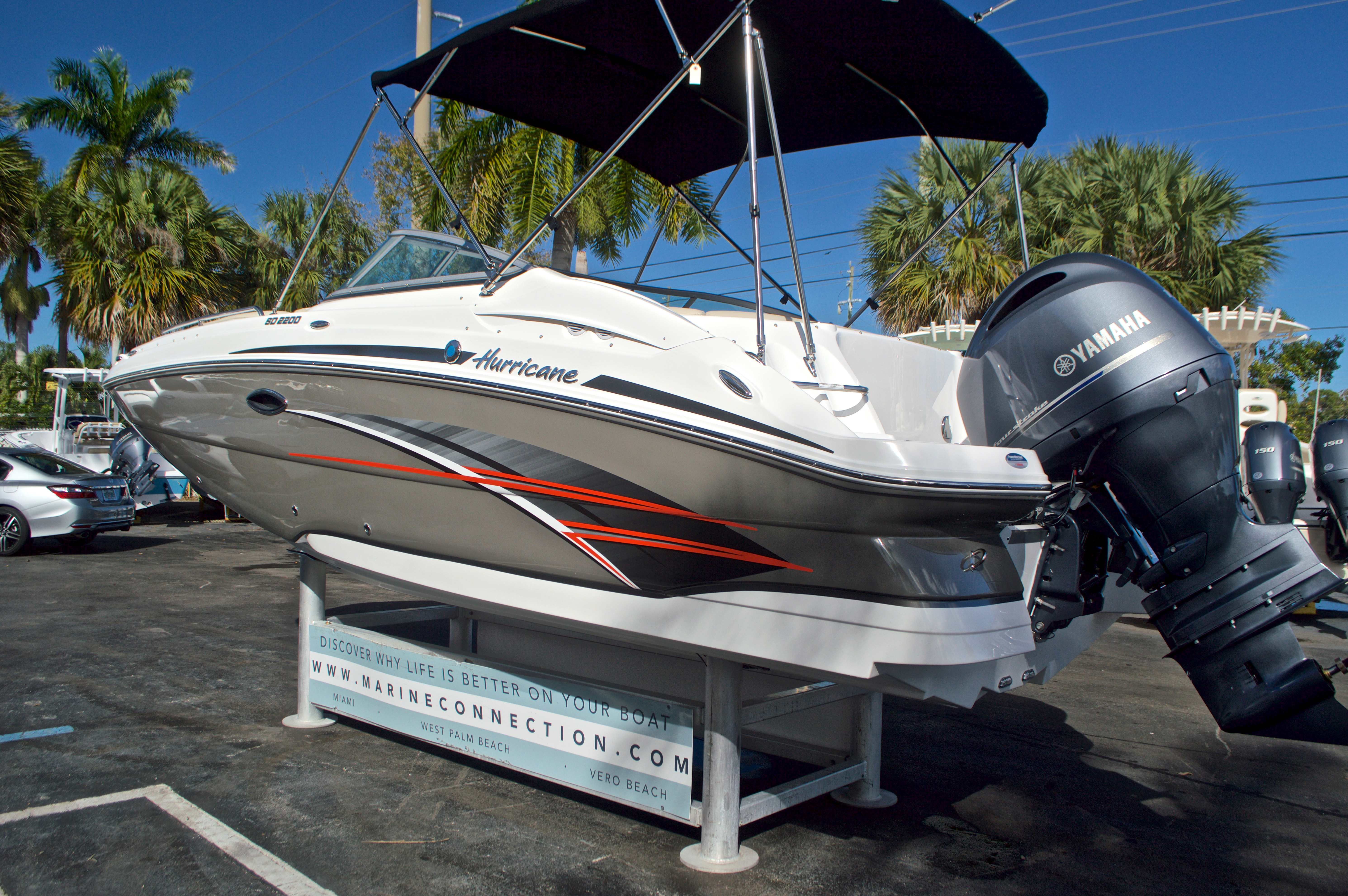 Thumbnail 6 for New 2017 Hurricane SunDeck SD 2200 OB boat for sale in West Palm Beach, FL