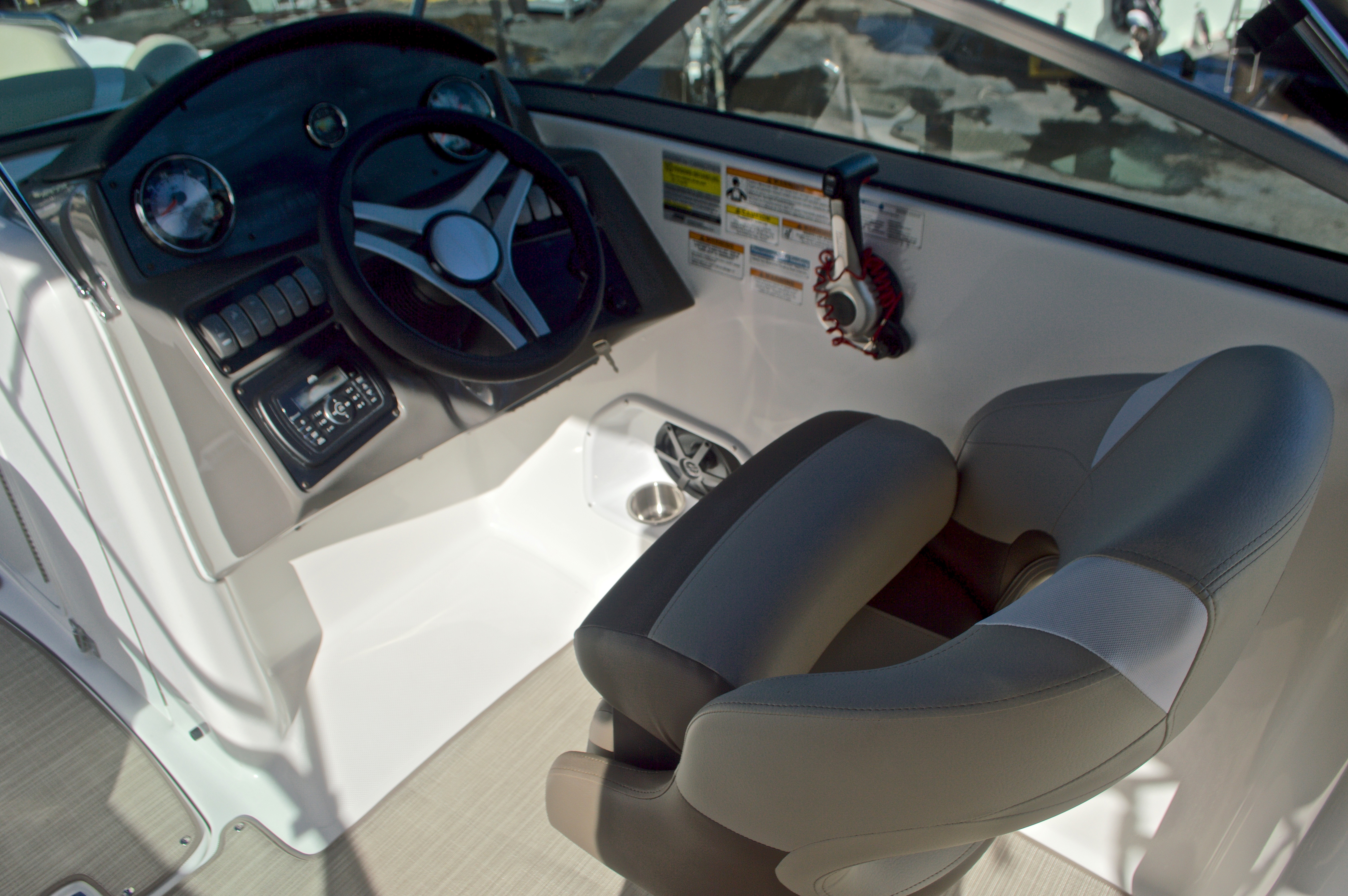 Thumbnail 28 for New 2017 Hurricane SunDeck SD 2200 OB boat for sale in West Palm Beach, FL