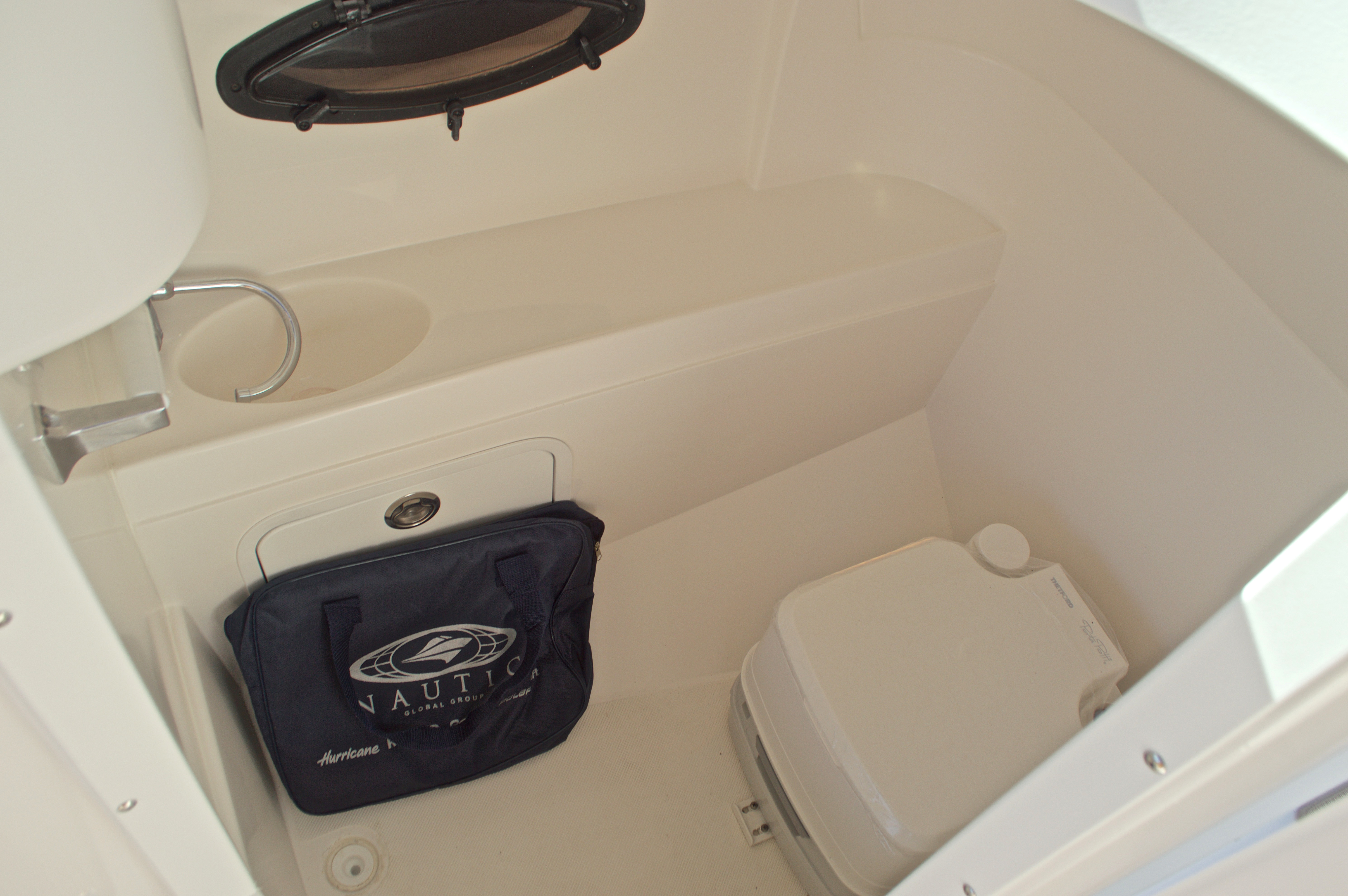 Thumbnail 27 for New 2017 Hurricane SunDeck SD 2200 OB boat for sale in West Palm Beach, FL