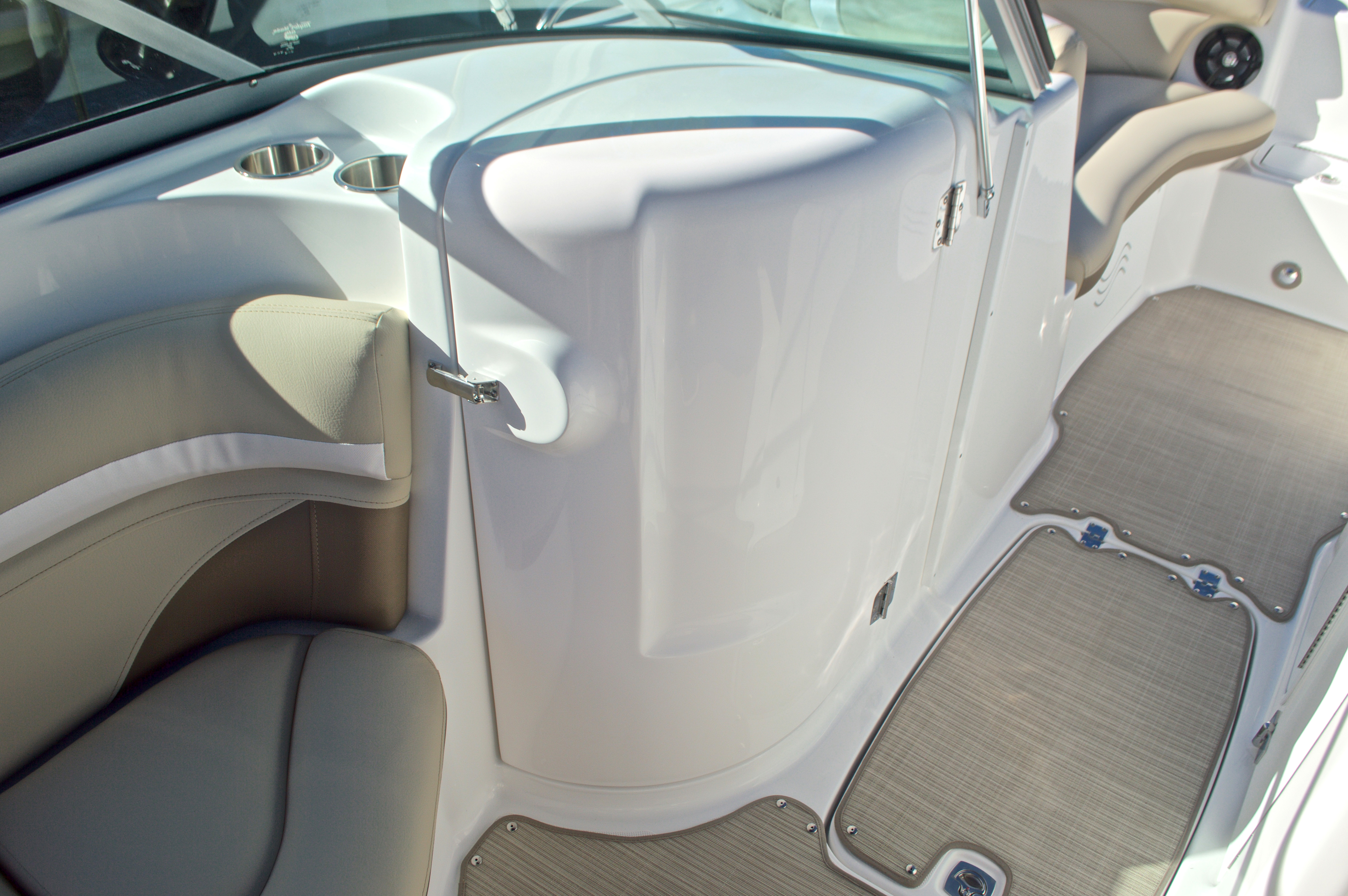 Thumbnail 25 for New 2017 Hurricane SunDeck SD 2200 OB boat for sale in West Palm Beach, FL
