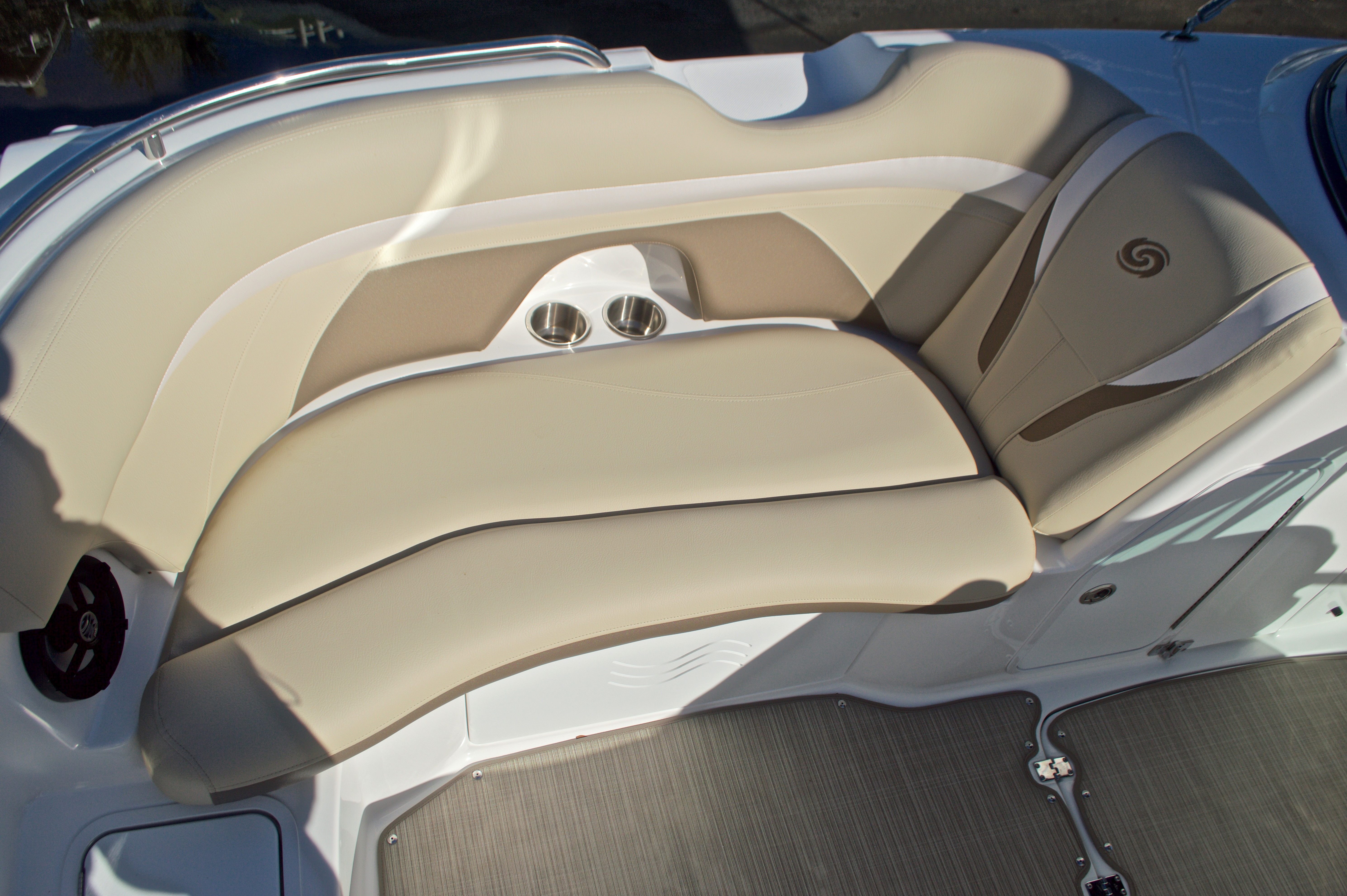 Thumbnail 48 for New 2017 Hurricane SunDeck SD 2200 OB boat for sale in West Palm Beach, FL