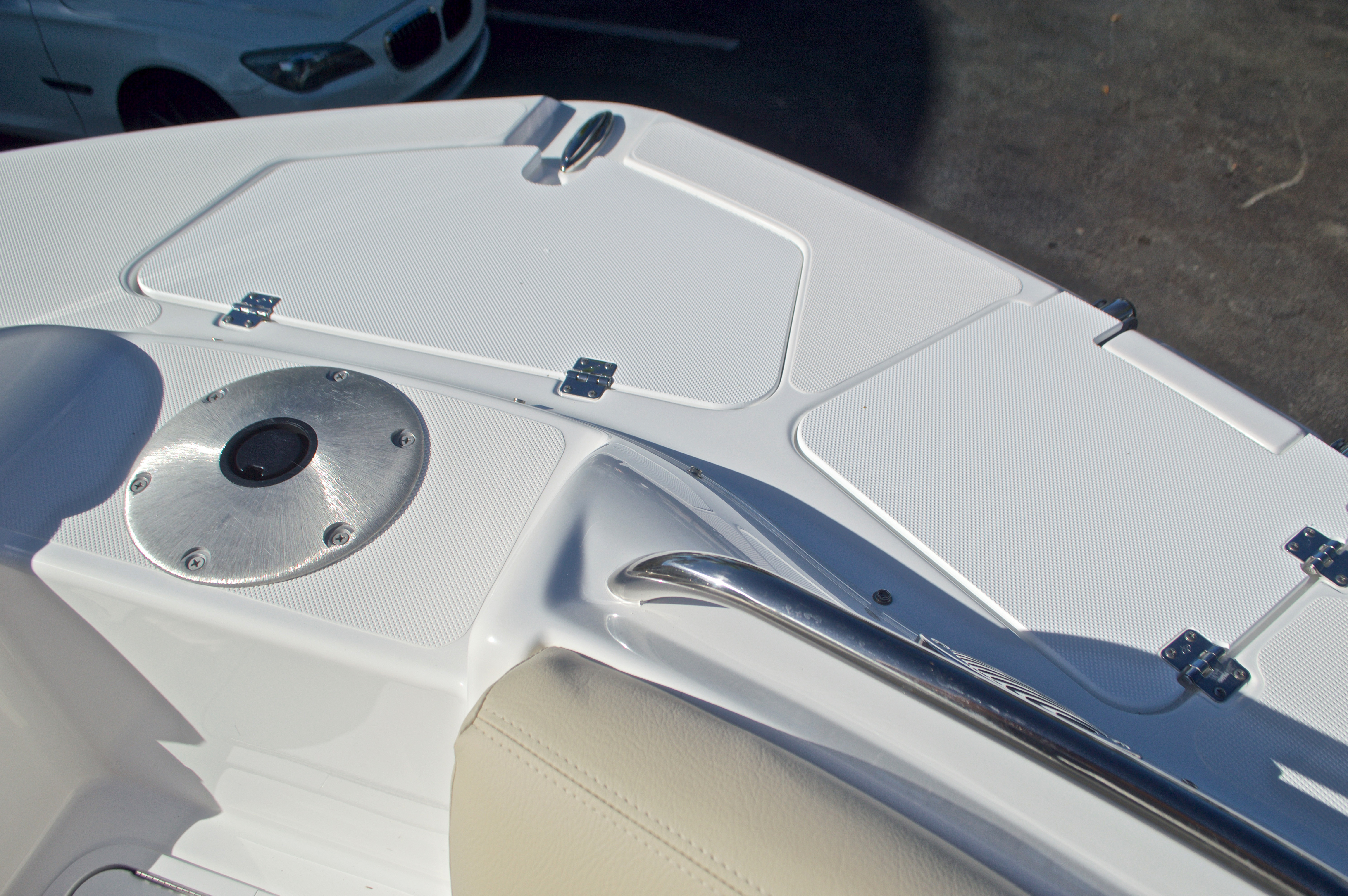 Thumbnail 52 for New 2017 Hurricane SunDeck SD 2200 OB boat for sale in West Palm Beach, FL