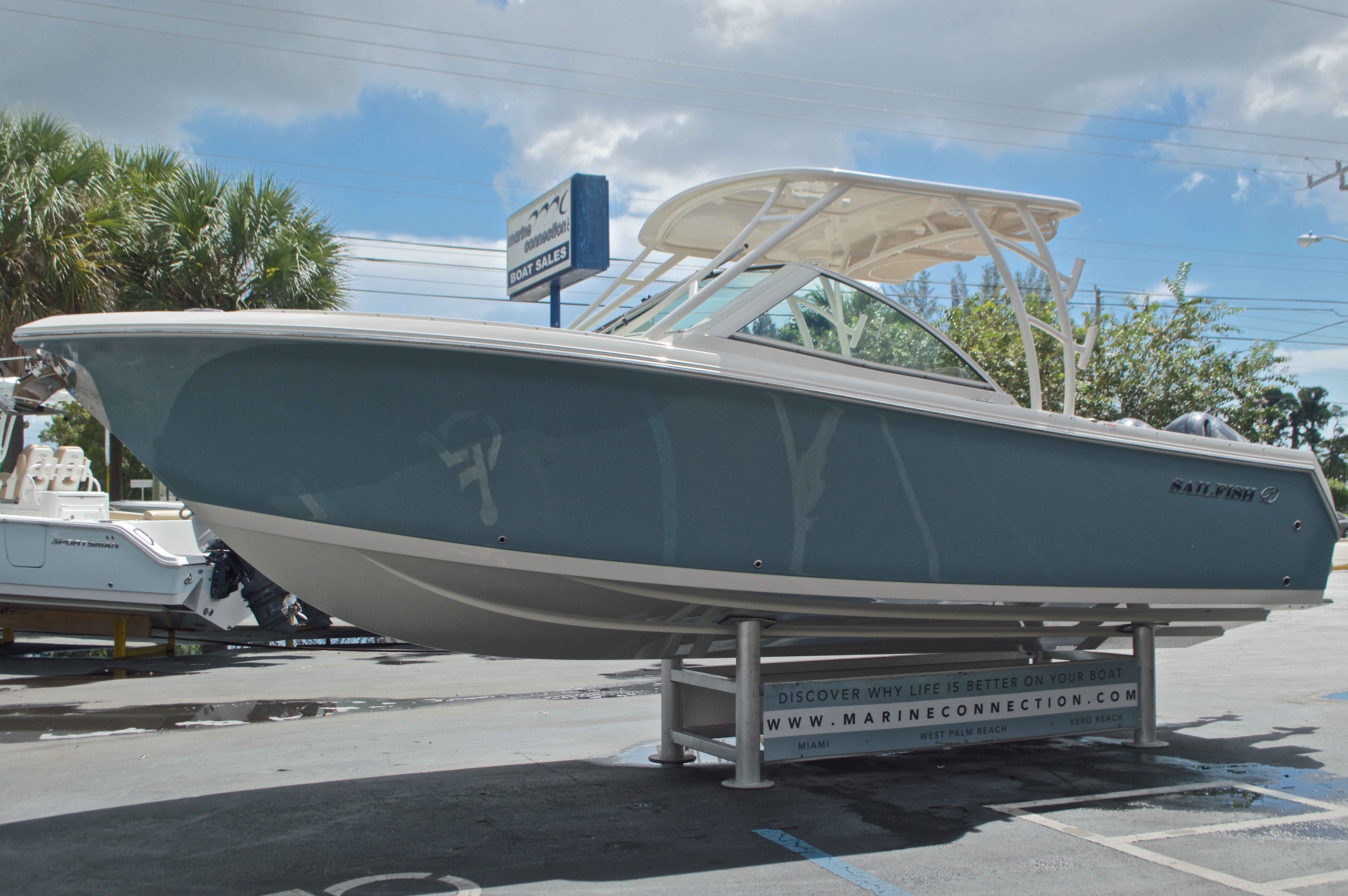 Thumbnail 3 for New 2017 Sailfish 275 Dual Console boat for sale in Vero Beach, FL
