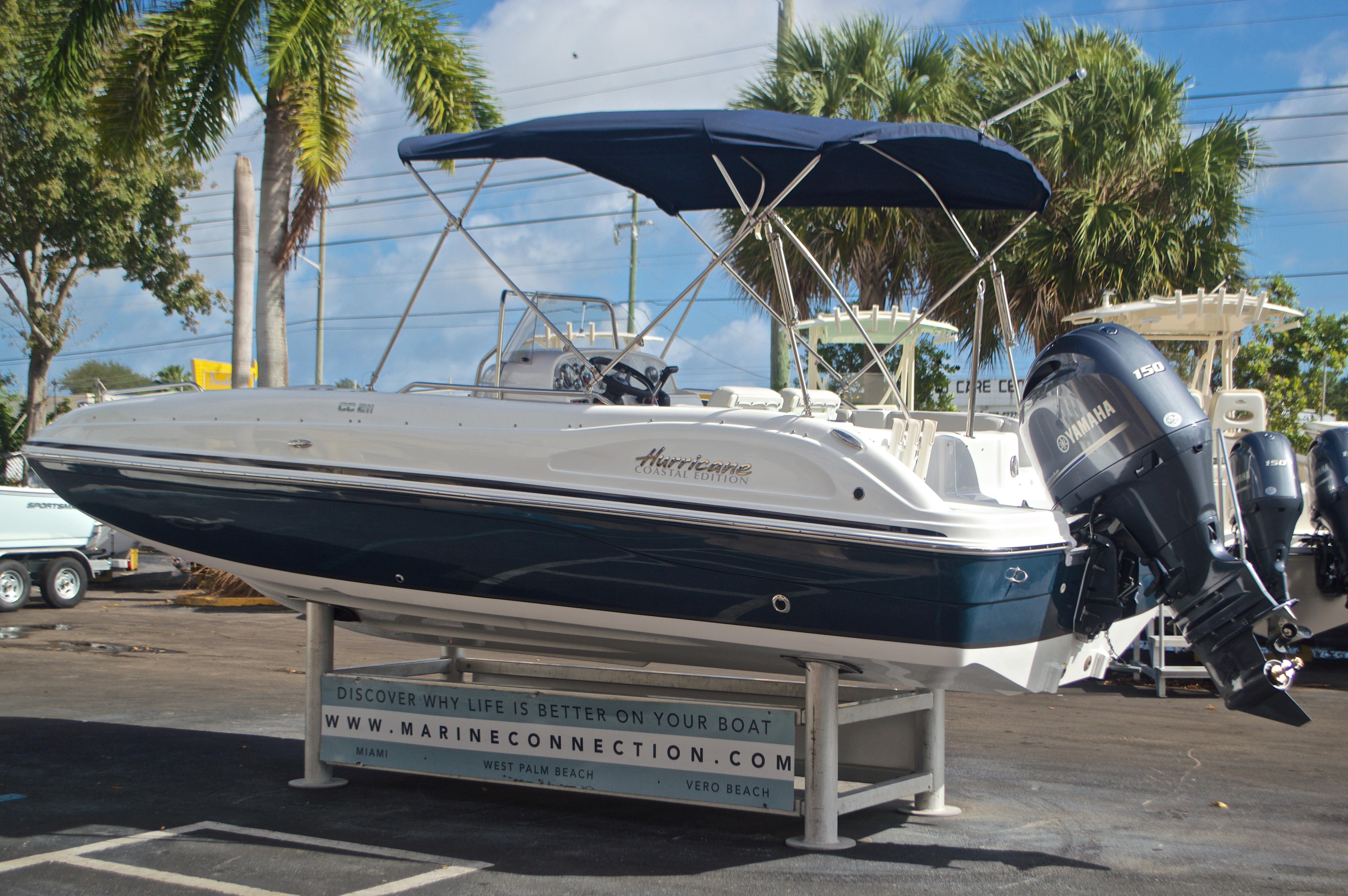 Thumbnail 5 for New 2017 Hurricane SunDeck Sport SS 211 OB boat for sale in Vero Beach, FL