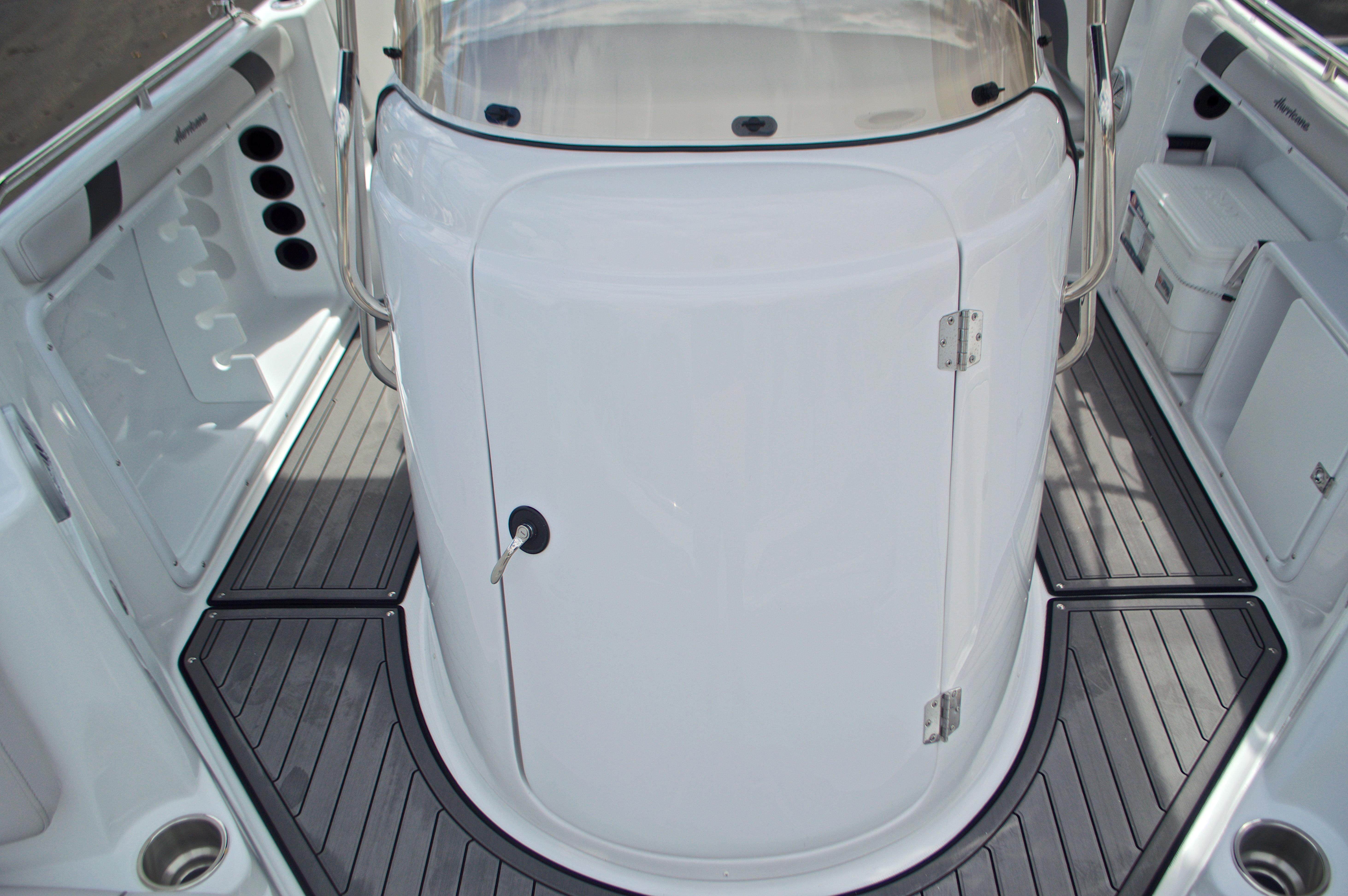 Thumbnail 45 for New 2017 Hurricane SunDeck Sport SS 211 OB boat for sale in Vero Beach, FL