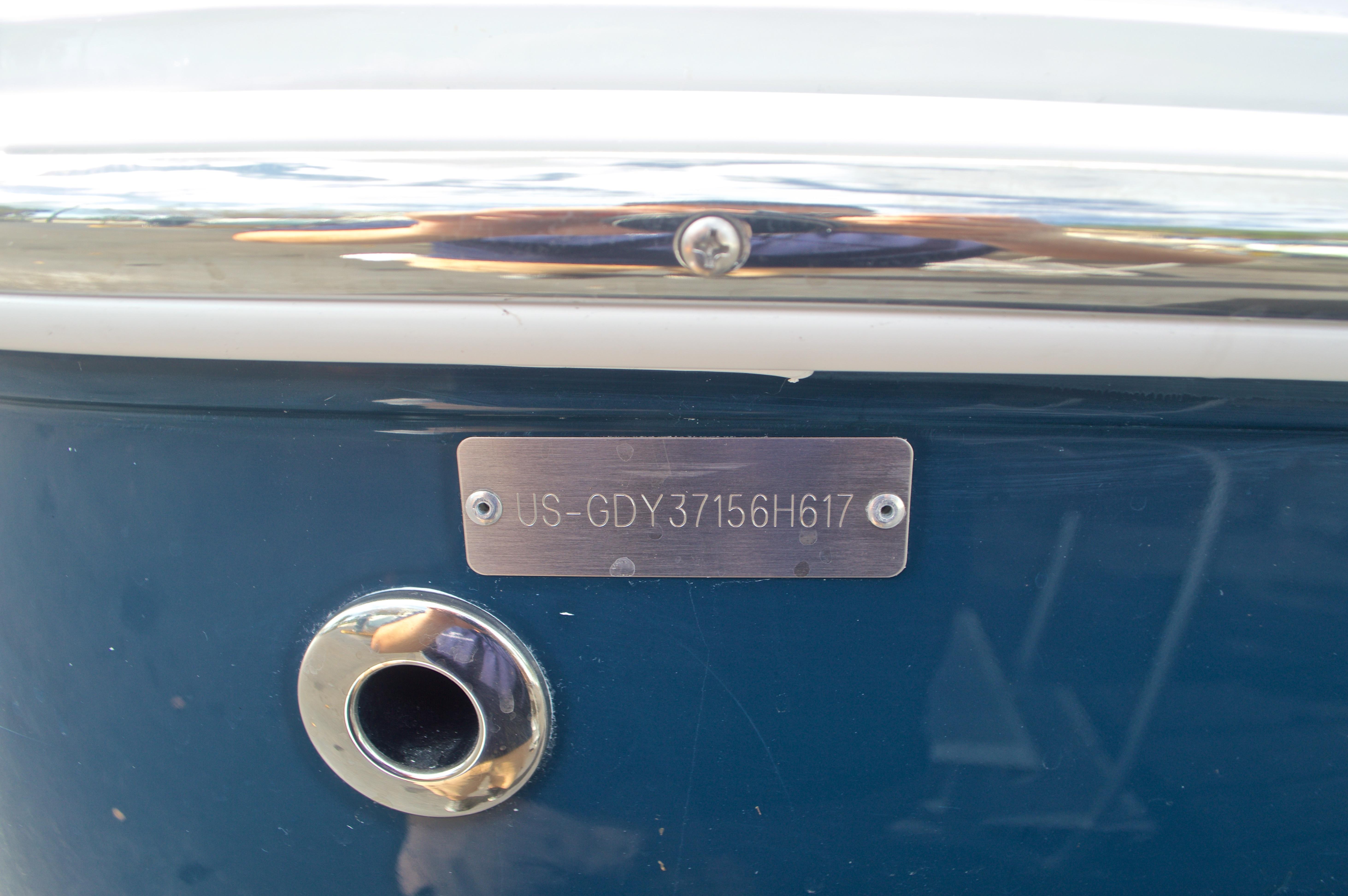 Thumbnail 60 for New 2017 Hurricane SunDeck Sport SS 211 OB boat for sale in Vero Beach, FL