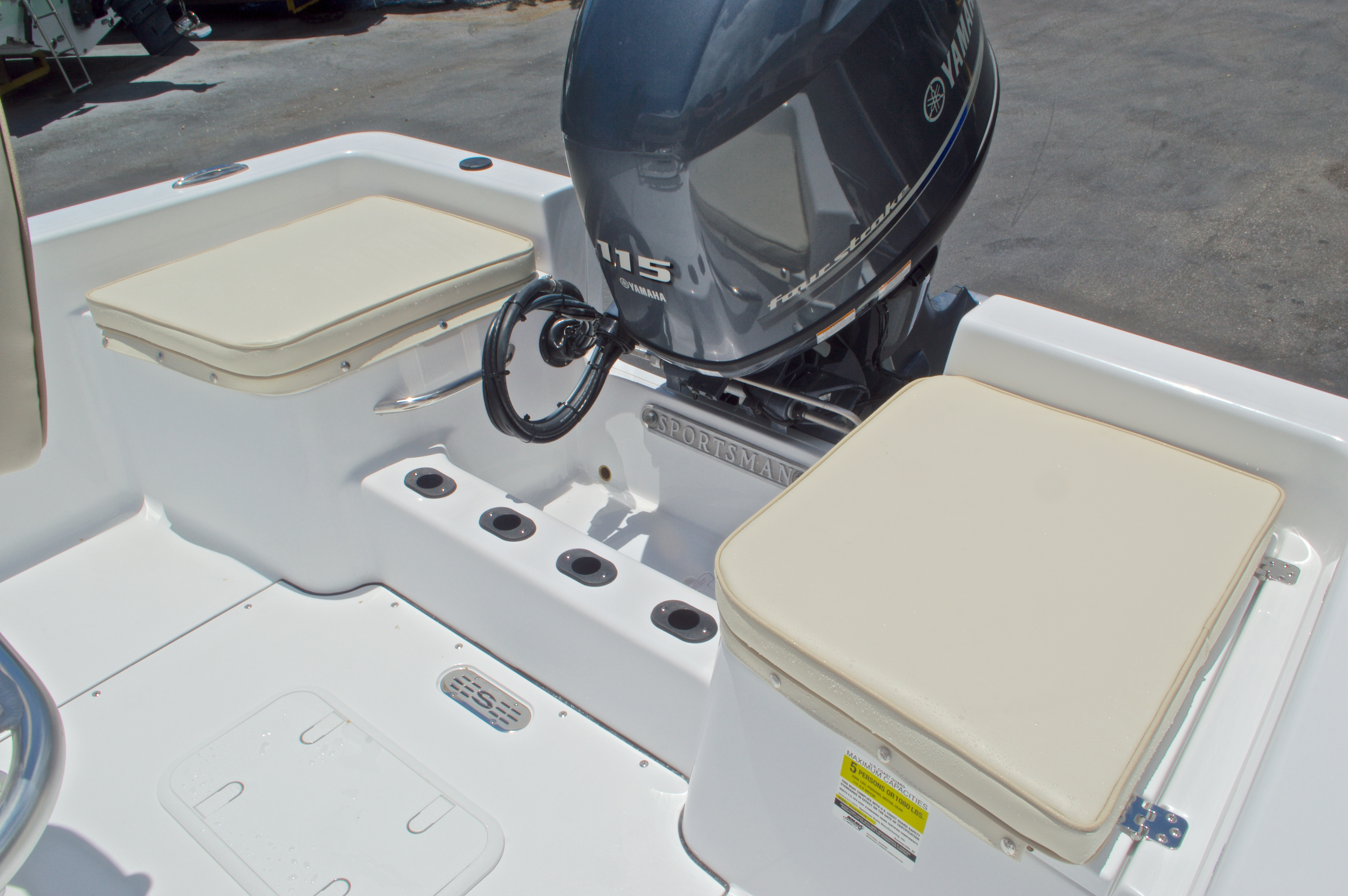 Thumbnail 11 for New 2017 Sportsman 19 Island Reef boat for sale in West Palm Beach, FL