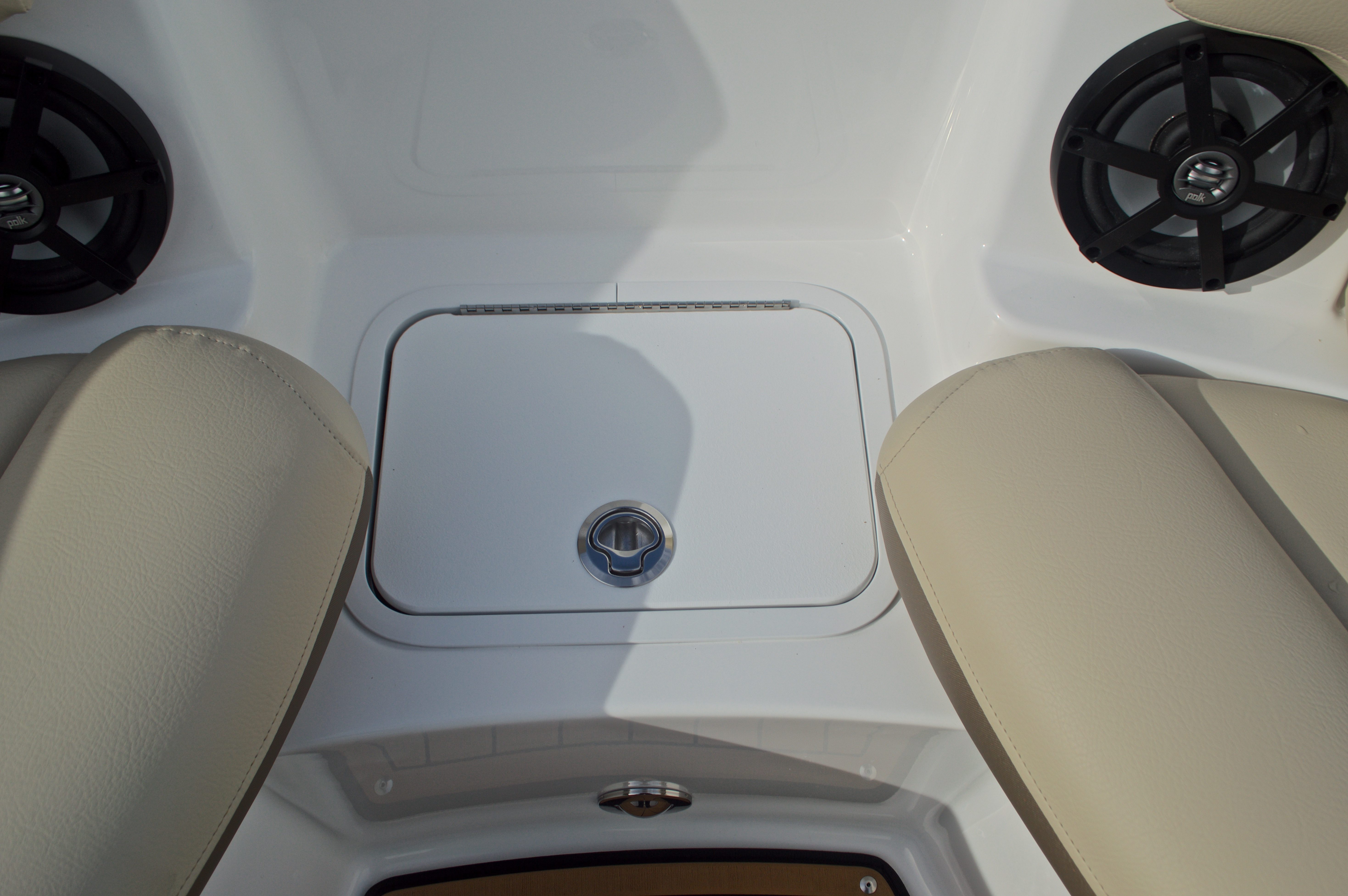 Thumbnail 50 for New 2017 Hurricane SunDeck SD 2200 DC OB boat for sale in West Palm Beach, FL