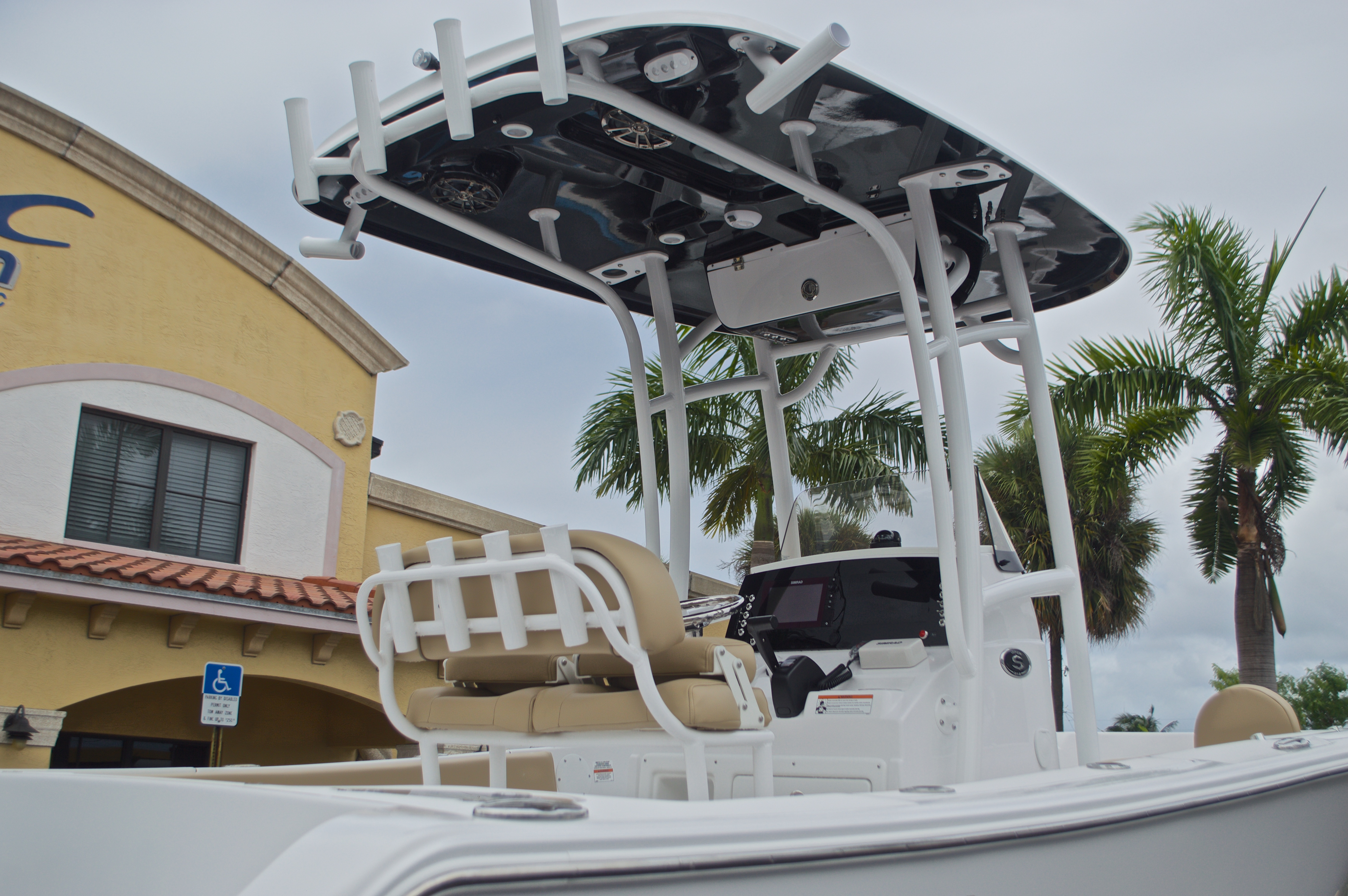 Thumbnail 10 for New 2017 Sportsman Open 212 Center Console boat for sale in Miami, FL