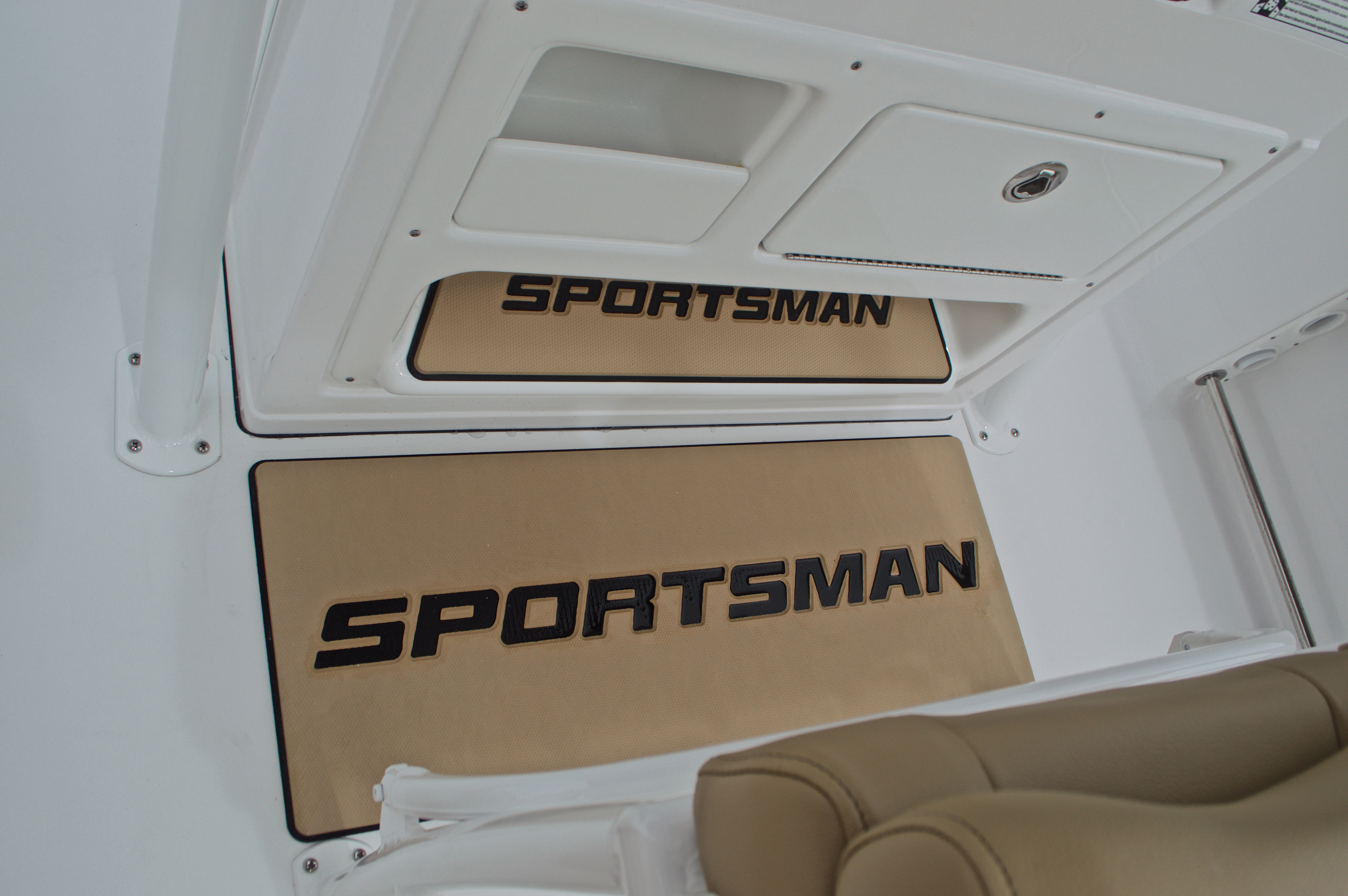 Thumbnail 42 for New 2017 Sportsman Open 212 Center Console boat for sale in Miami, FL