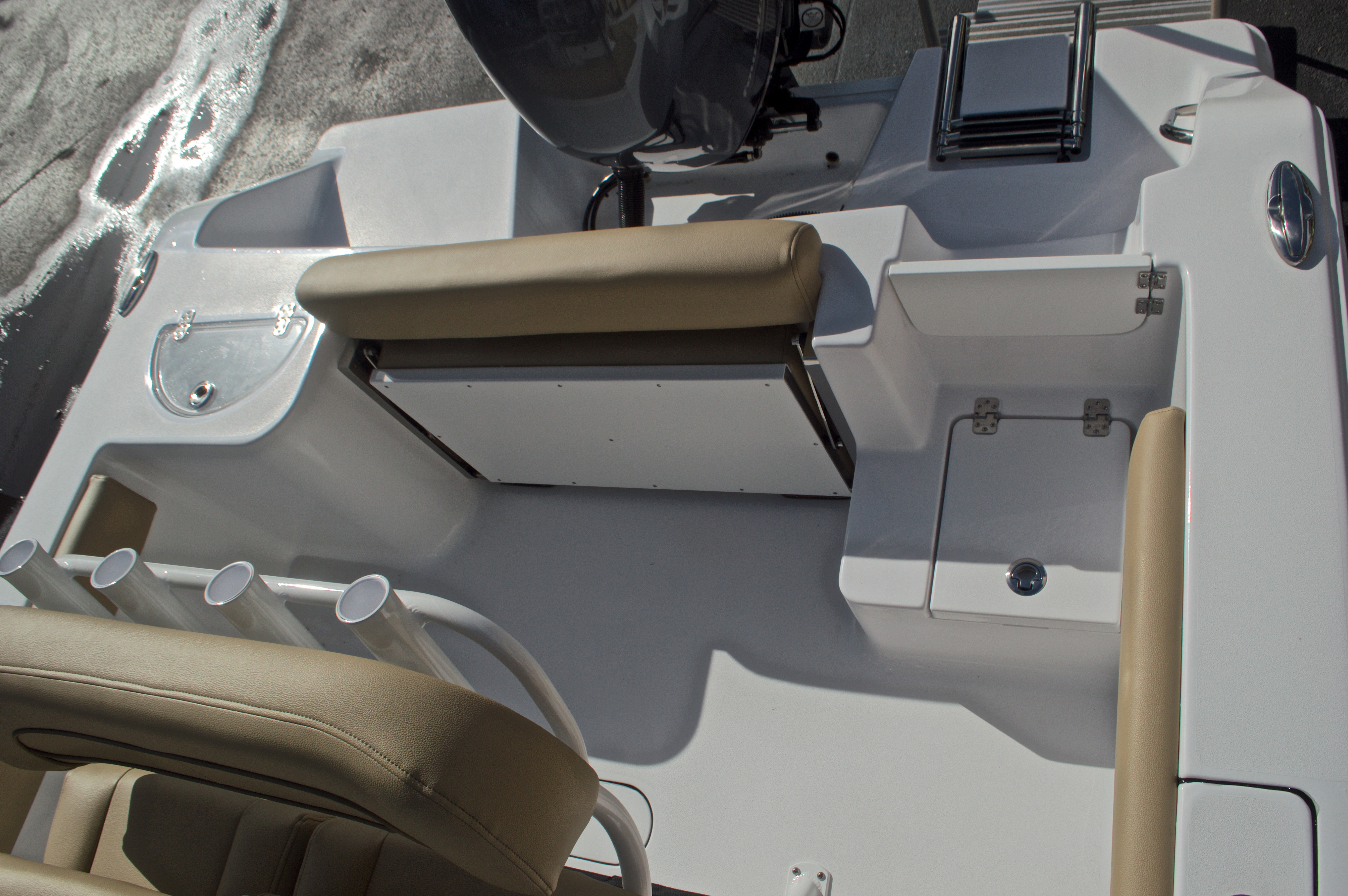 Thumbnail 14 for New 2017 Sportsman Open 212 Center Console boat for sale in West Palm Beach, FL