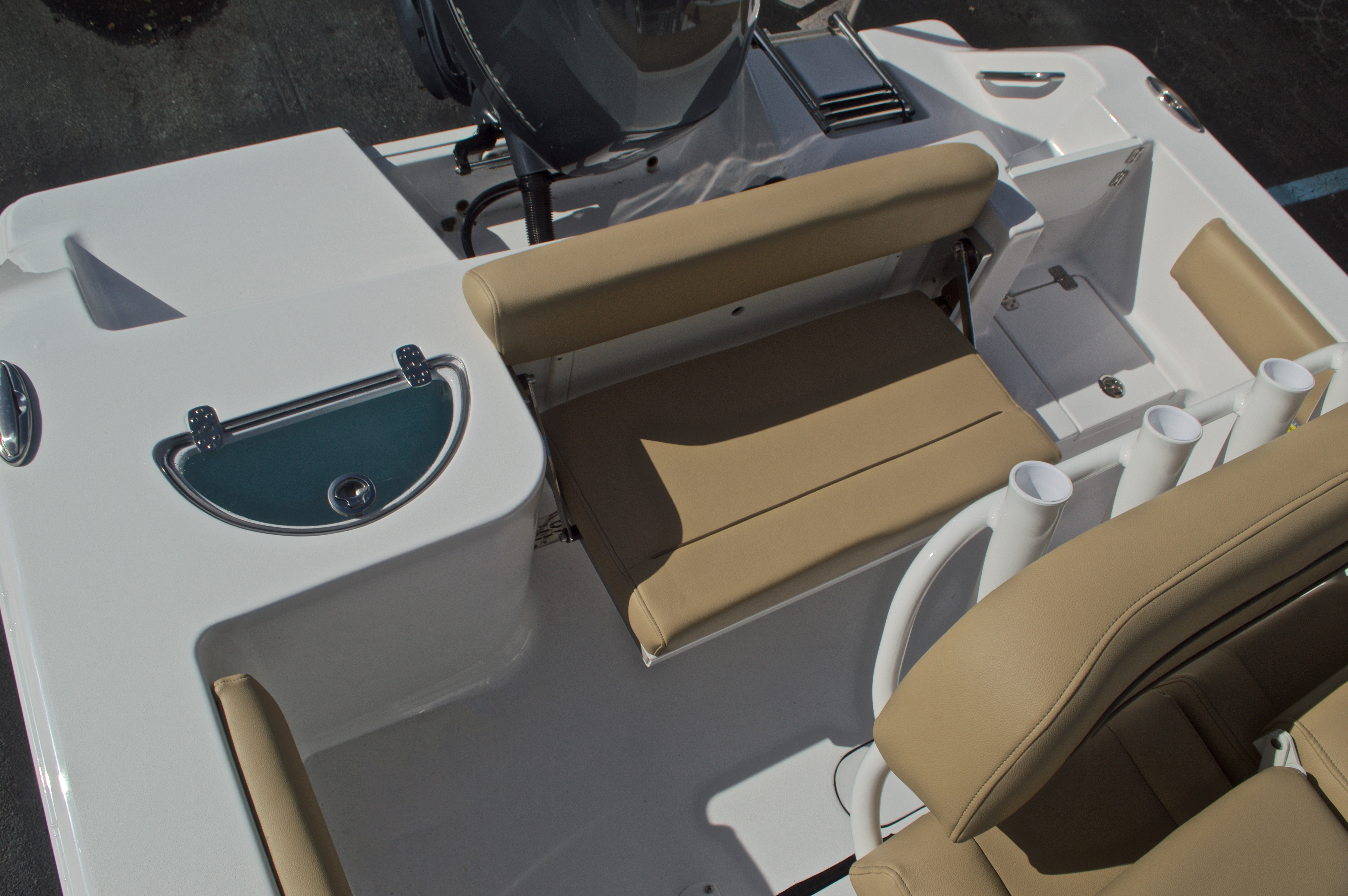 Thumbnail 16 for New 2017 Sportsman Open 212 Center Console boat for sale in West Palm Beach, FL
