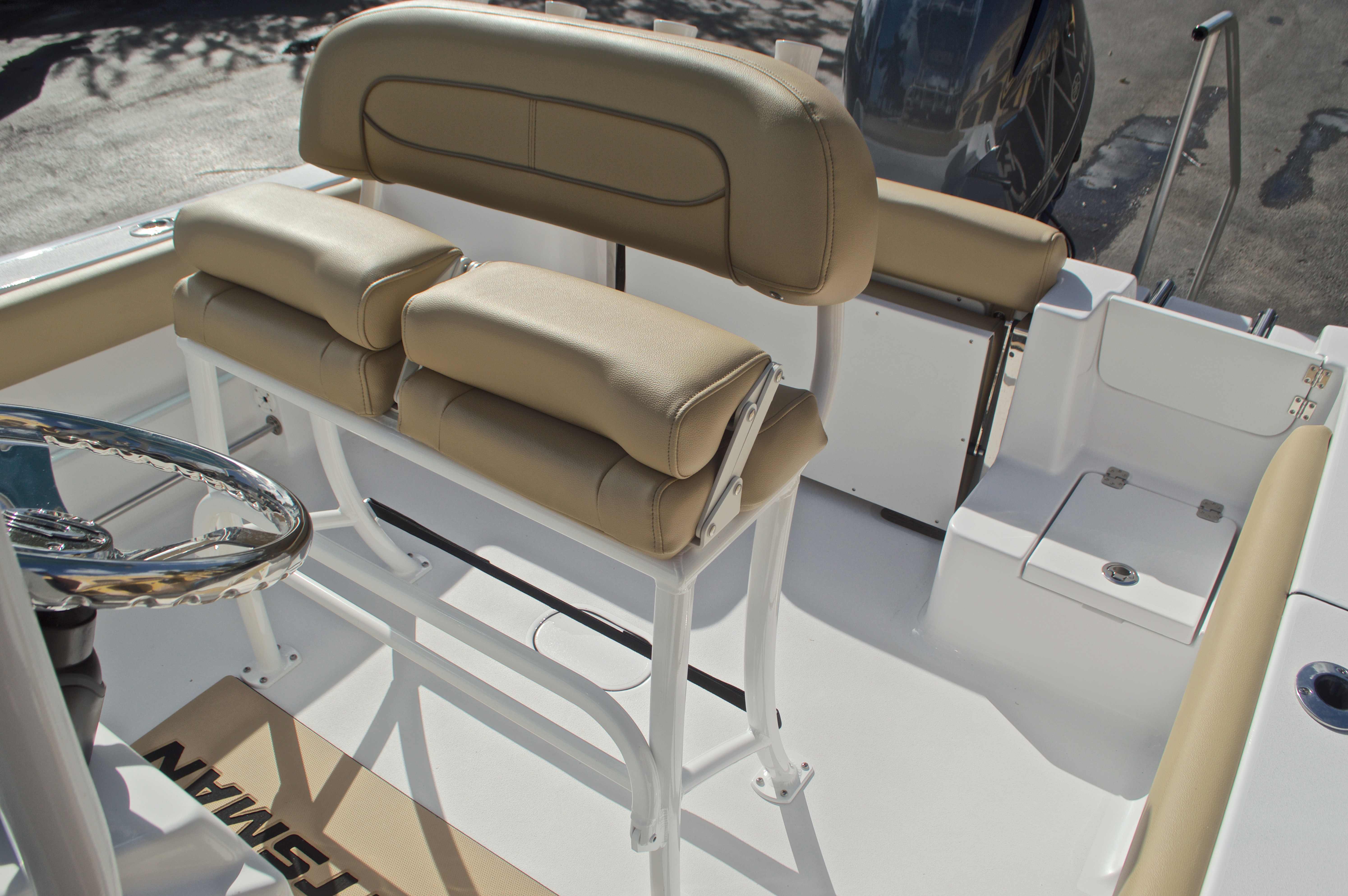 Thumbnail 26 for New 2017 Sportsman Open 212 Center Console boat for sale in West Palm Beach, FL