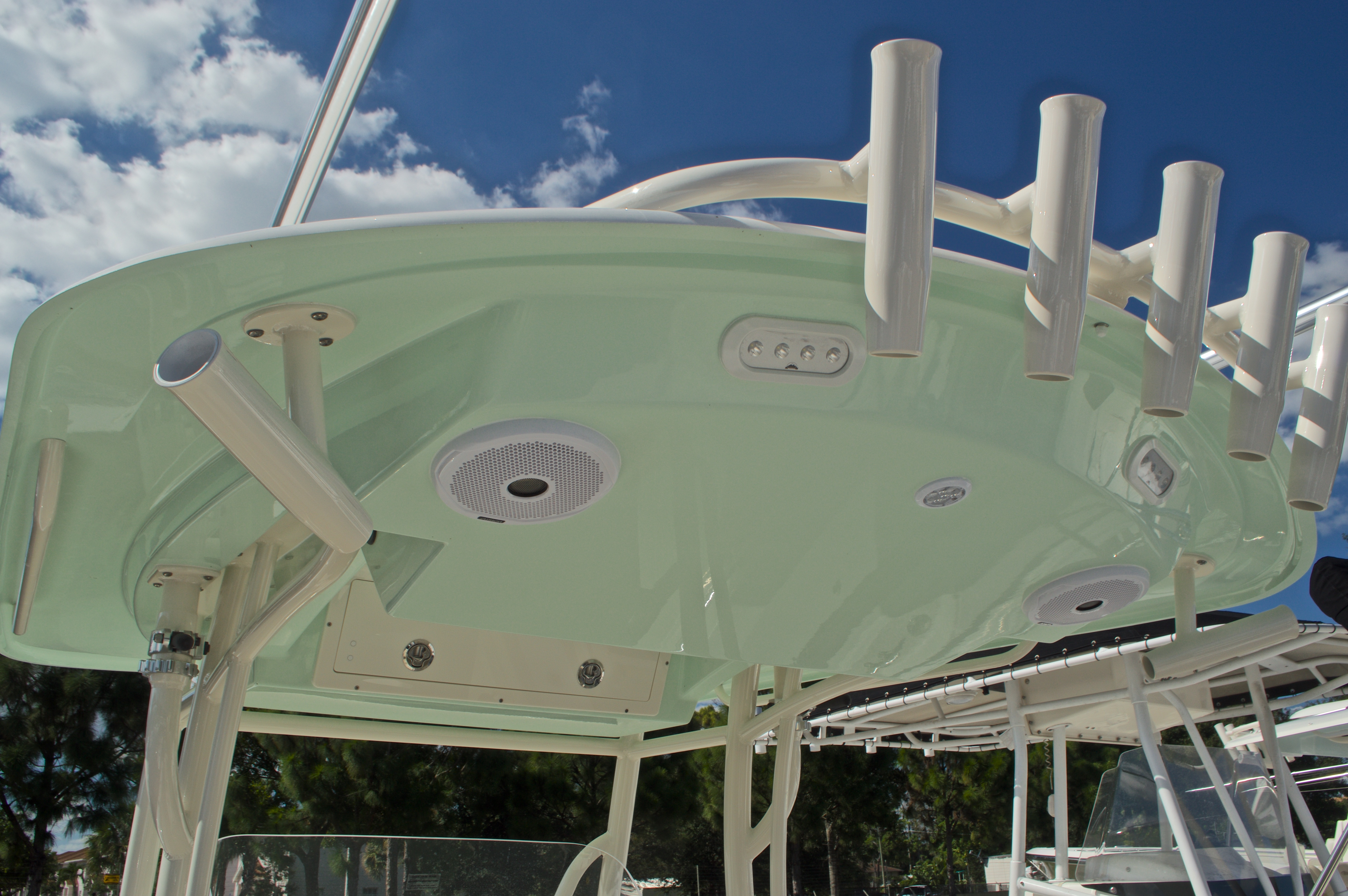 Thumbnail 19 for New 2017 Cobia 277 Center Console boat for sale in West Palm Beach, FL