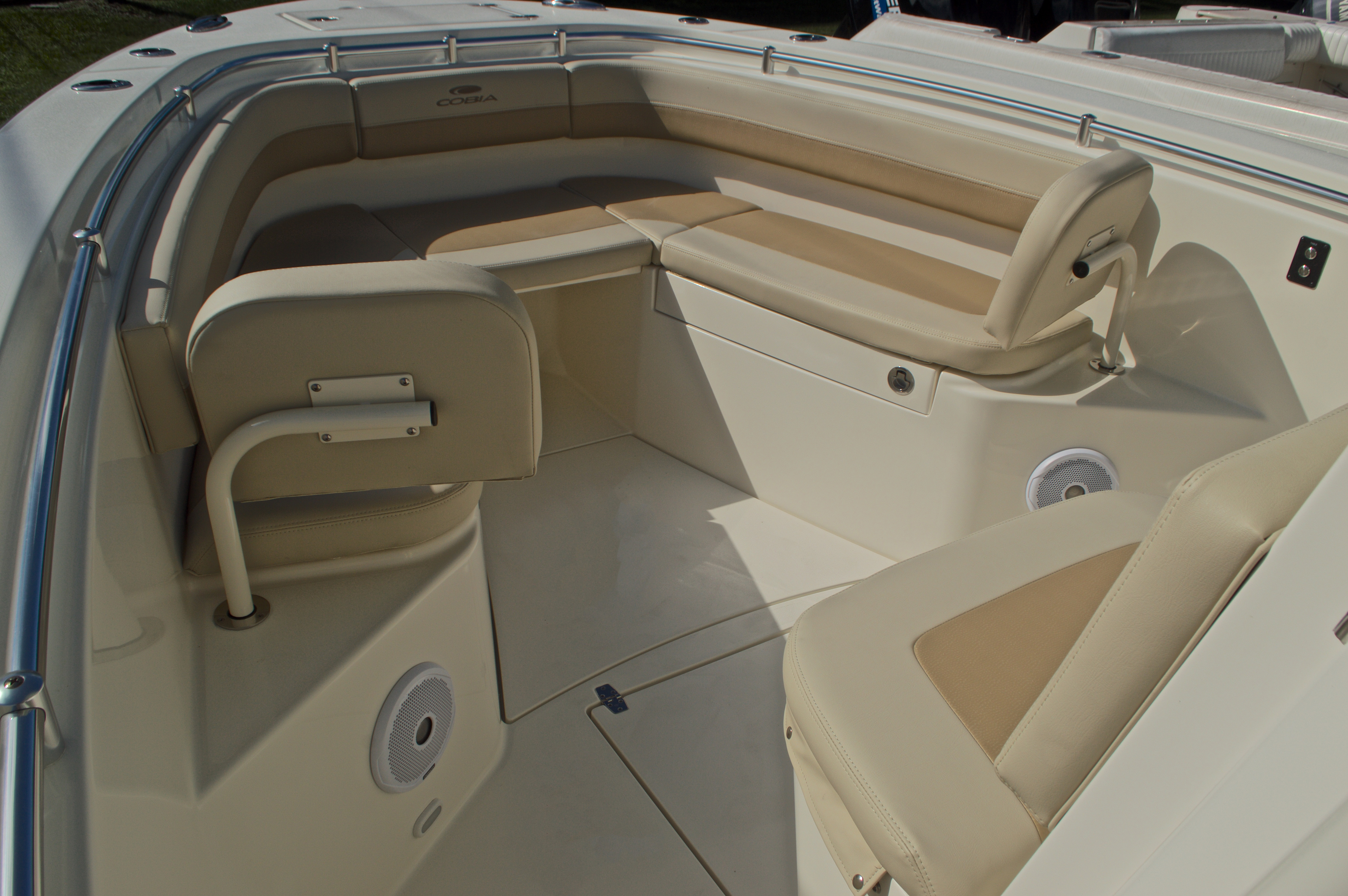 Thumbnail 32 for New 2017 Cobia 277 Center Console boat for sale in West Palm Beach, FL