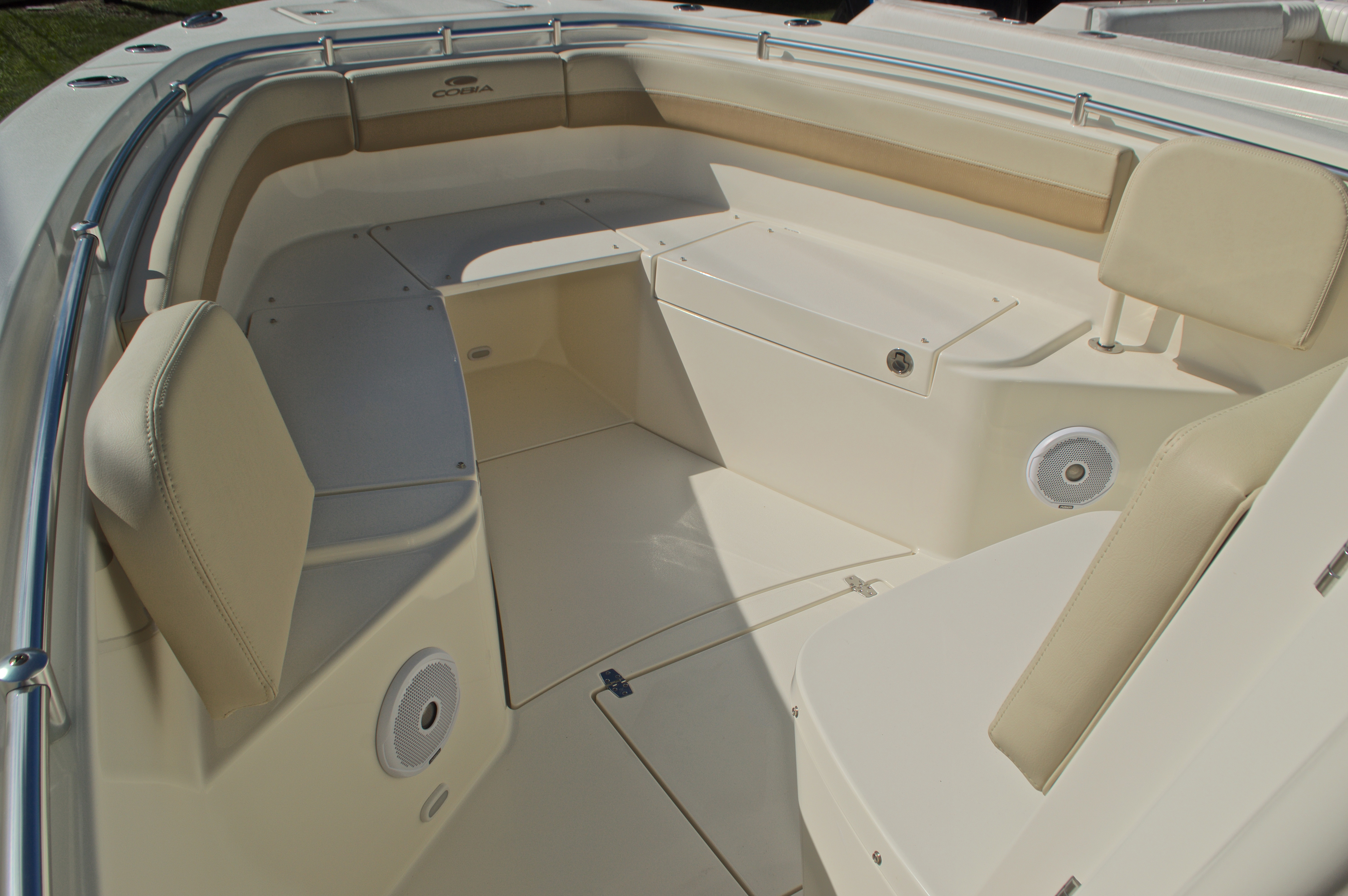 Thumbnail 31 for New 2017 Cobia 277 Center Console boat for sale in West Palm Beach, FL