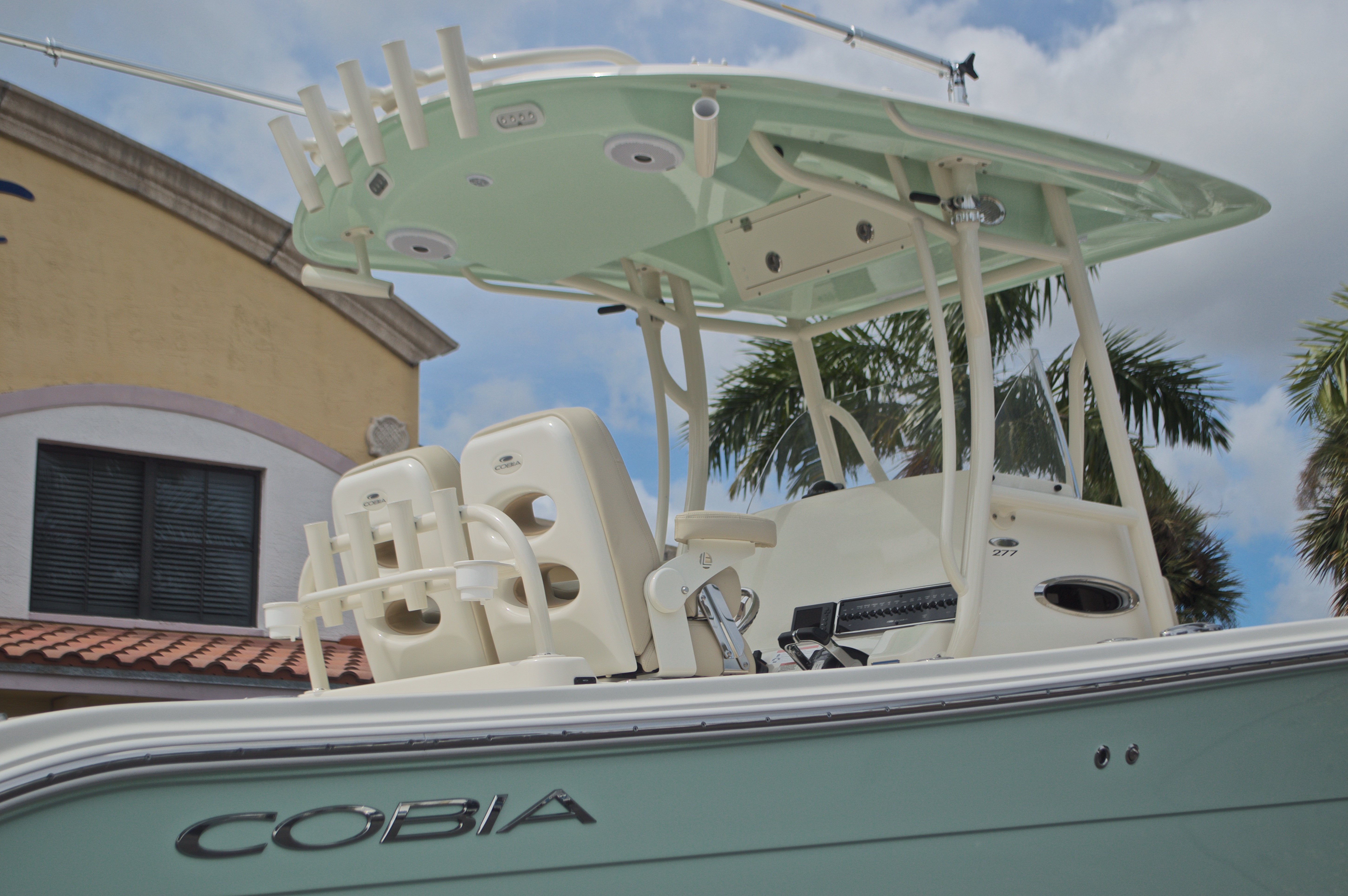 Thumbnail 7 for New 2017 Cobia 277 Center Console boat for sale in West Palm Beach, FL