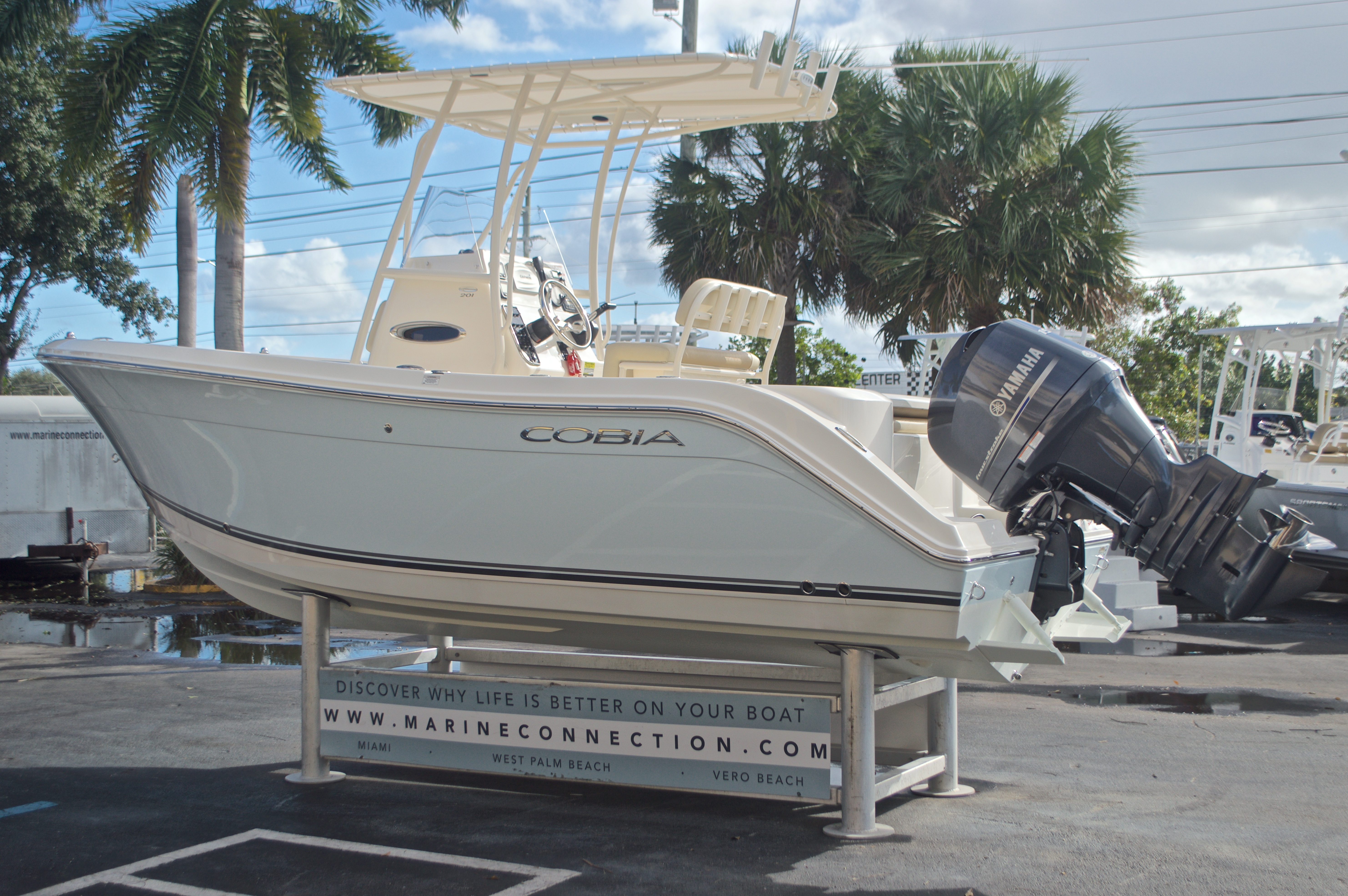 Thumbnail 5 for Used 2015 Cobia 201 Center Console boat for sale in West Palm Beach, FL