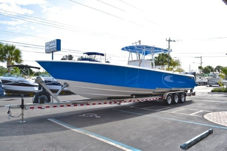 Image 5 for 2013 Contender 39 ST Step Hull in West Palm Beach, FL